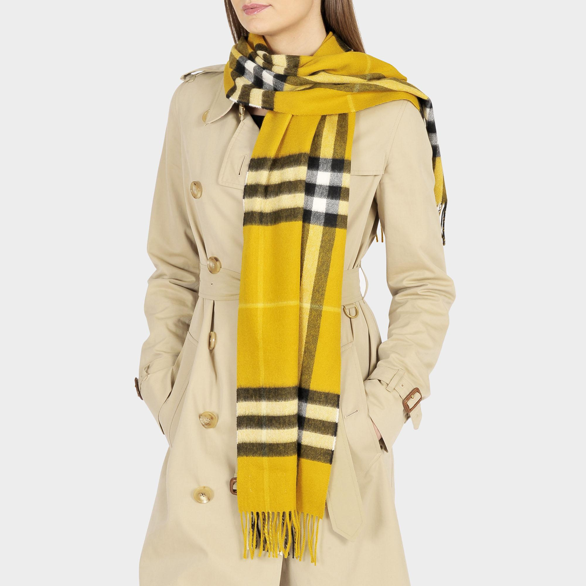 Burberry Giant Icon Check Cashmere Scarf in Yellow - Save 30.0% - Lyst bf56baa2e8876
