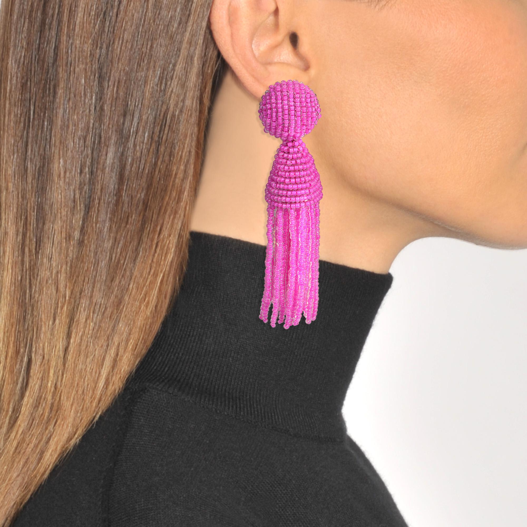 Oscar De La Renta Short Beaded Tassel Clip Earrings in Silver Synthetic Material XEZiua