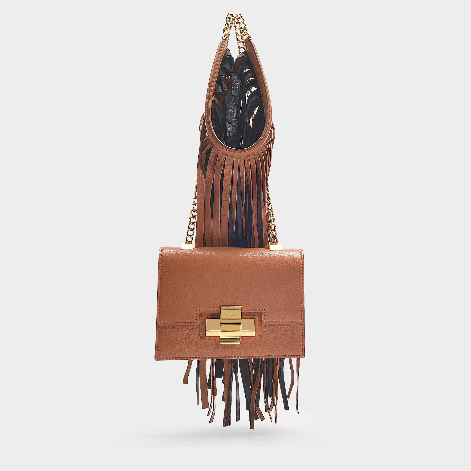 14b9a5fc05 Sac à main porté epaule mini alice avec franges en cuir nappa marron ...