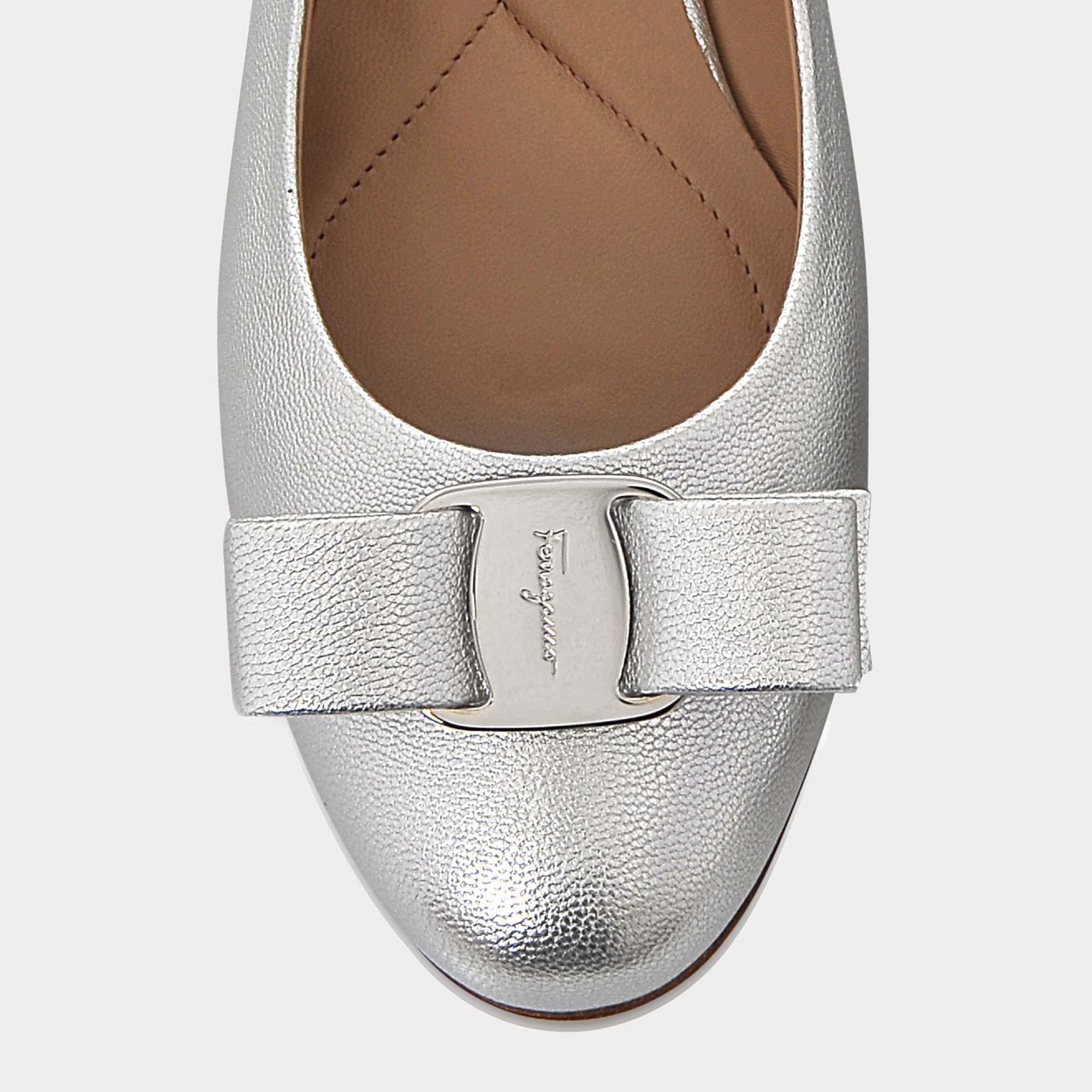 Varina Metallic Shoes in Silver Flair Silk Salvatore Ferragamo TcZvNeyNJ9
