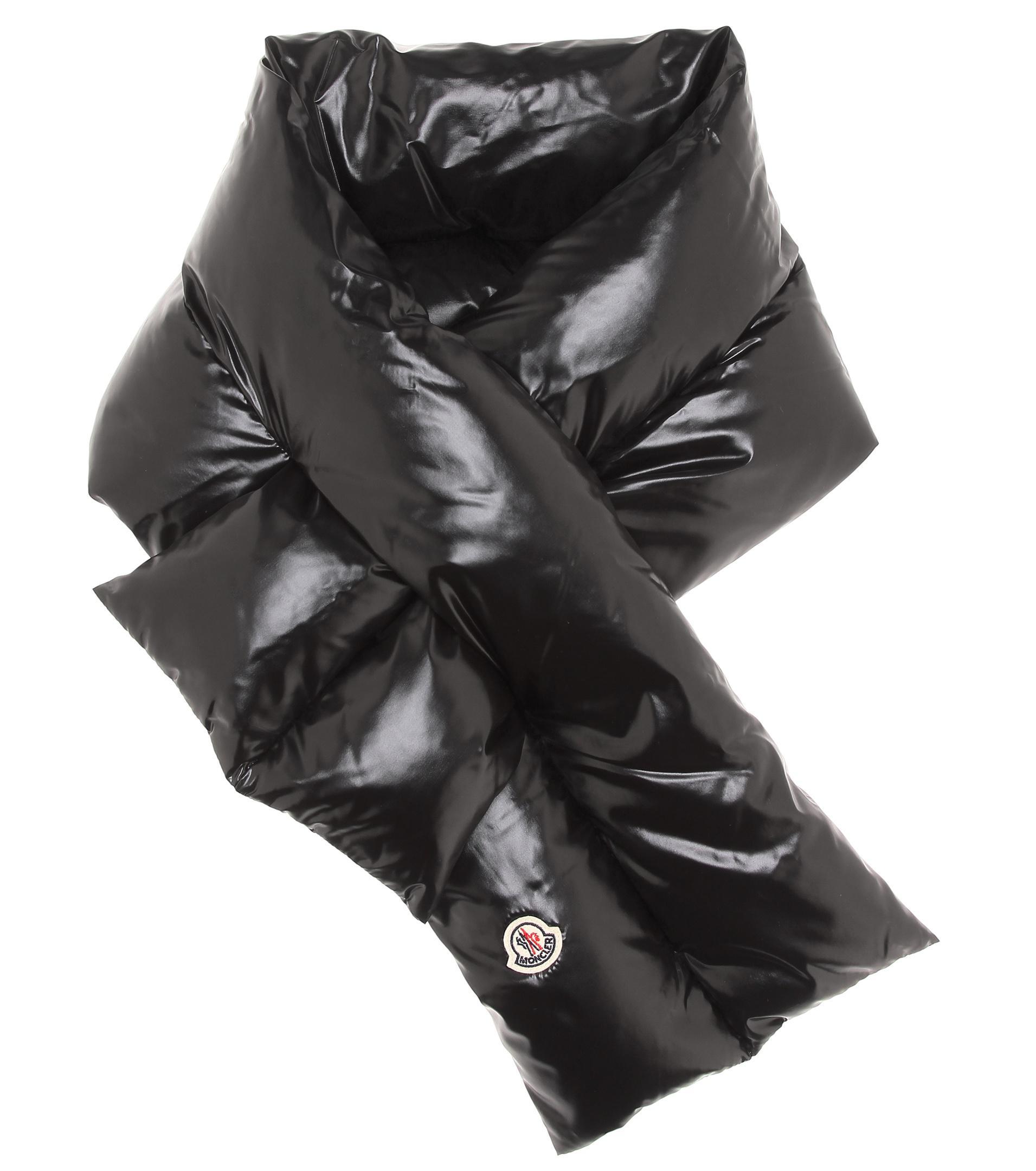 Lyst - Écharpe matelassée Moncler en coloris Noir ce60c40ab79