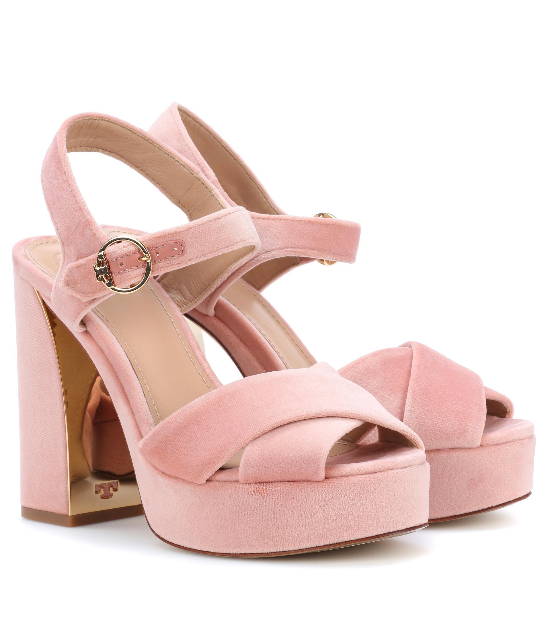 472e62d5358 Tory Burch Loretta Velvet Plateau Sandals in Pink - Lyst