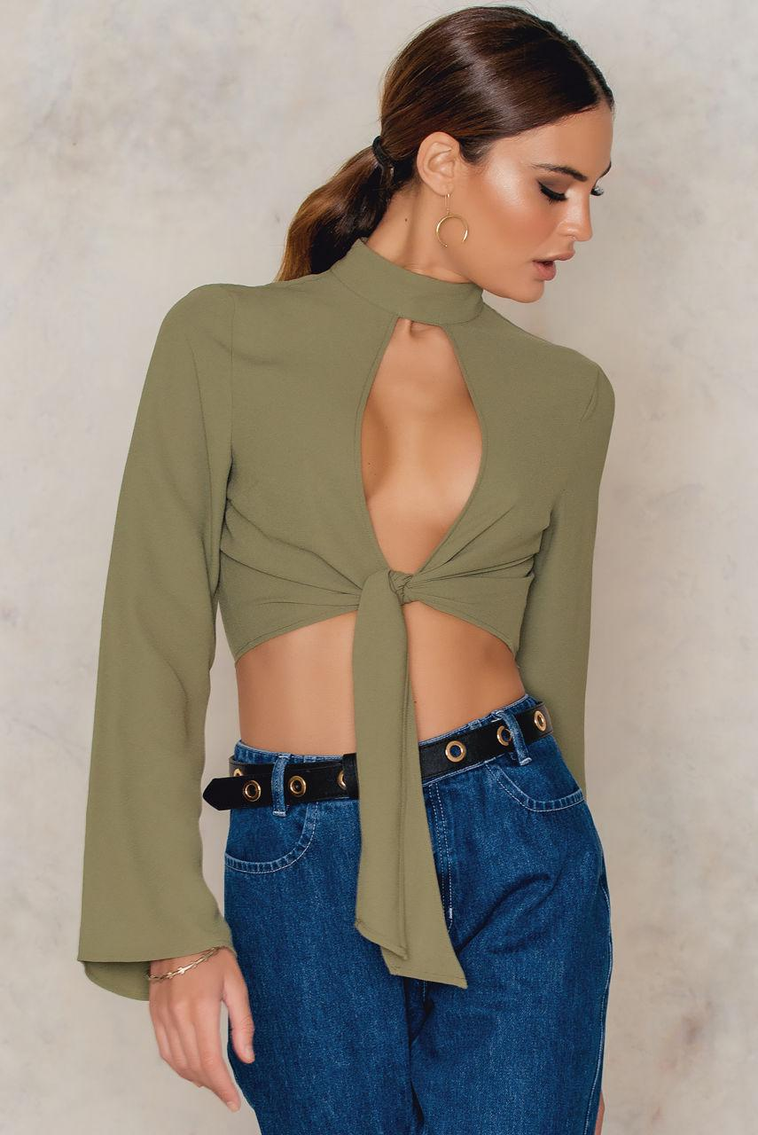 82fef339dee26 Lyst - NA-KD Front Knot Choker Top Army Green in Green