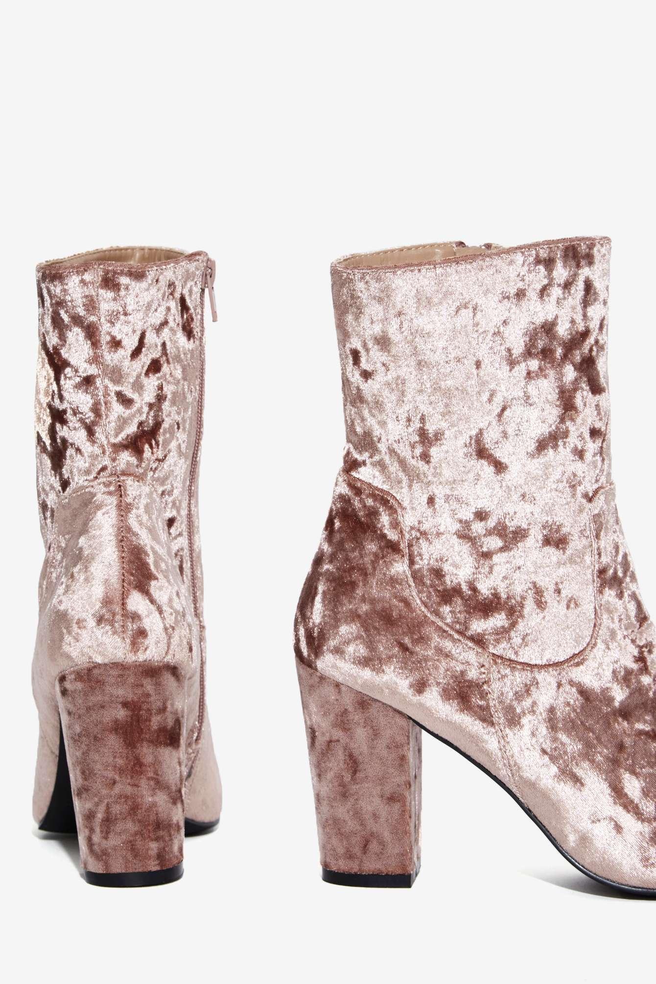 6de2b28e66a1d Lyst - Nasty Gal Tibby Velvet Boot in Pink