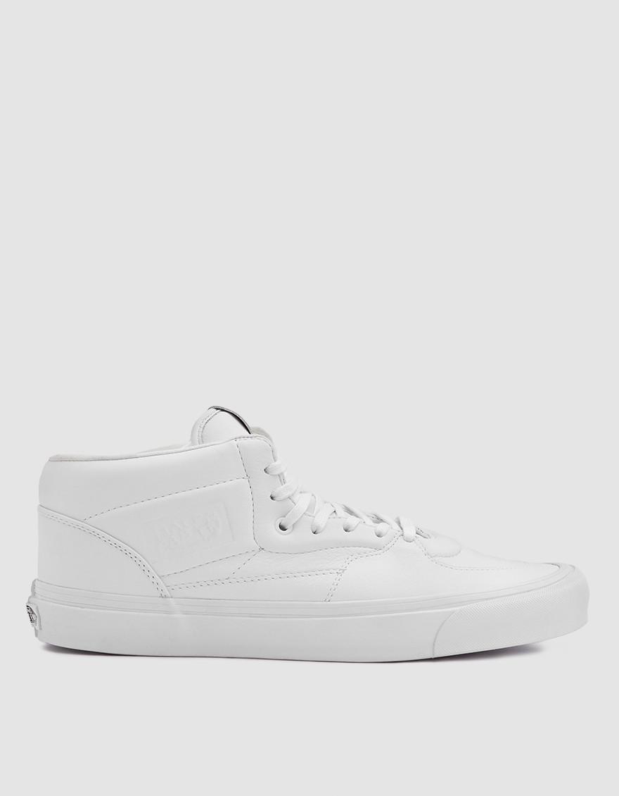 0a7e25a5ff39 Vans Half Cab Mld Sneaker in White - Lyst