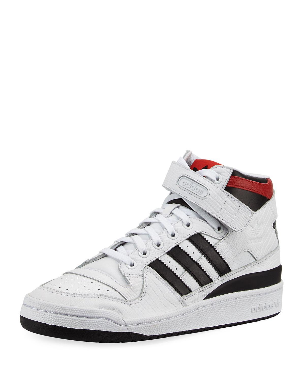 lyst adidas uomini di cuoio bianco sopra forum metà scarpa per gli uomini