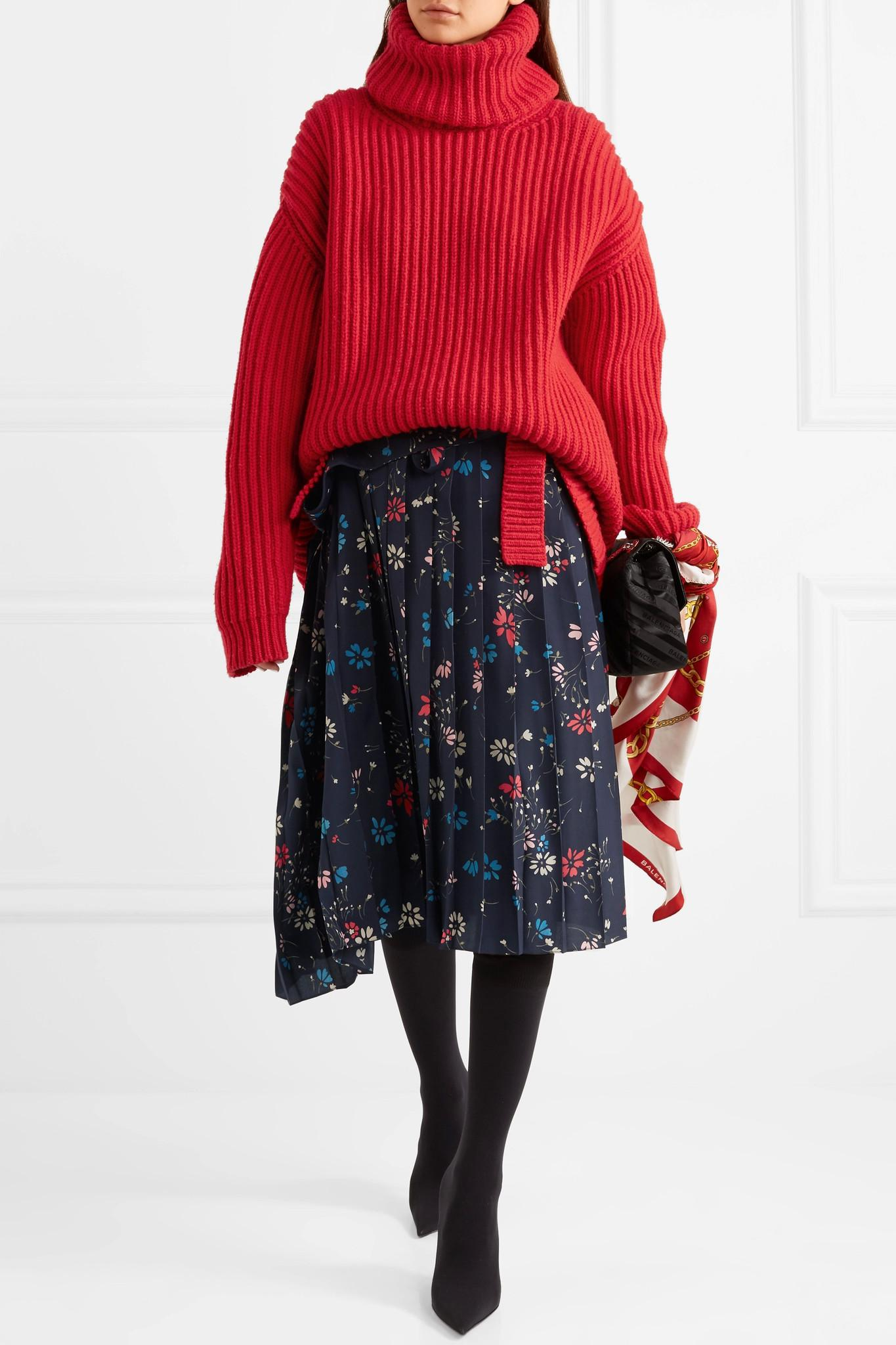 Balenciaga Oversized Ribbed Wool Turtleneck Sweater in Red   Lyst