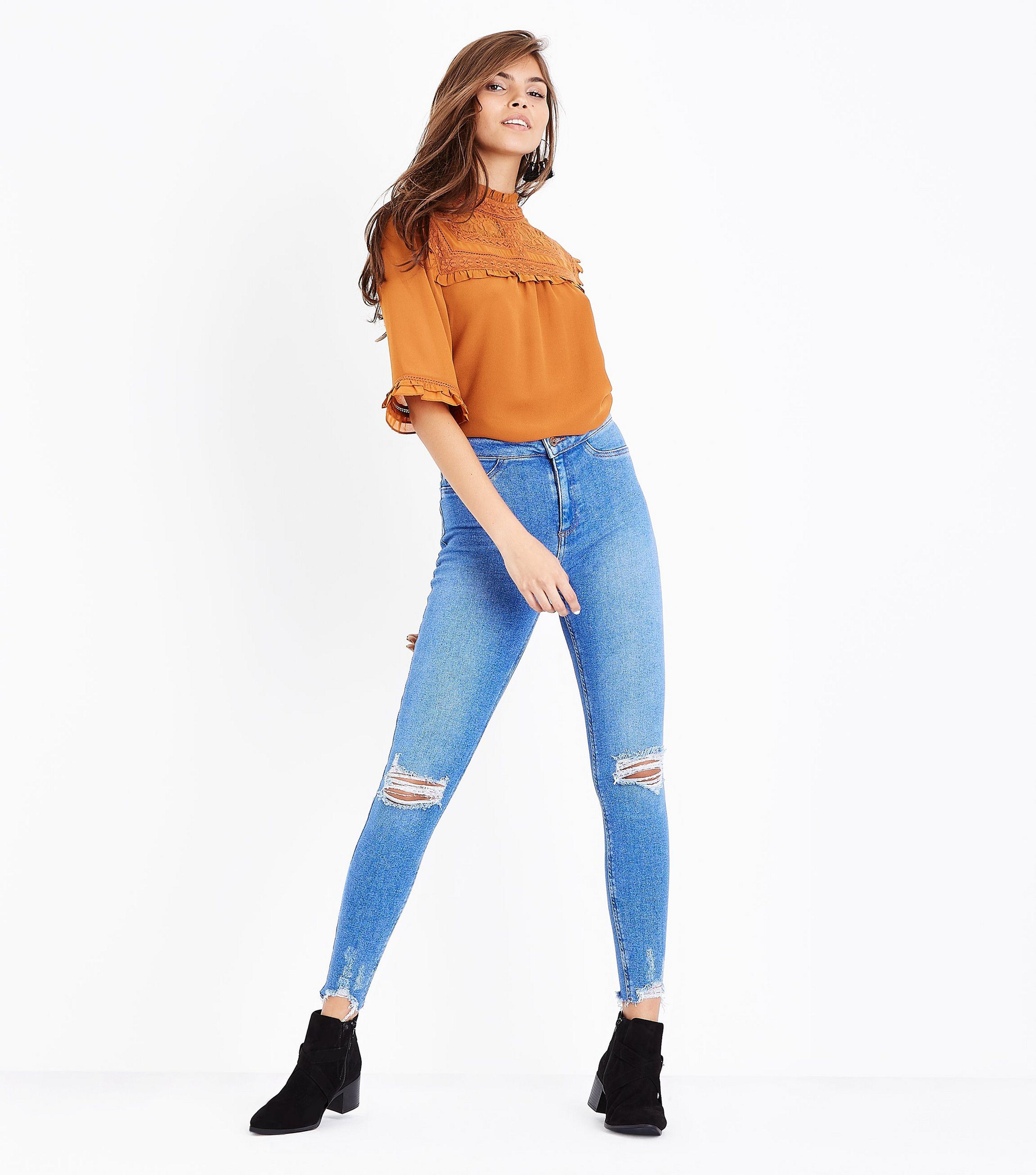 25ff63ec734 New Look Blue Ripped Knee Fray Hem Skinny Jenna Jeans in Blue - Lyst