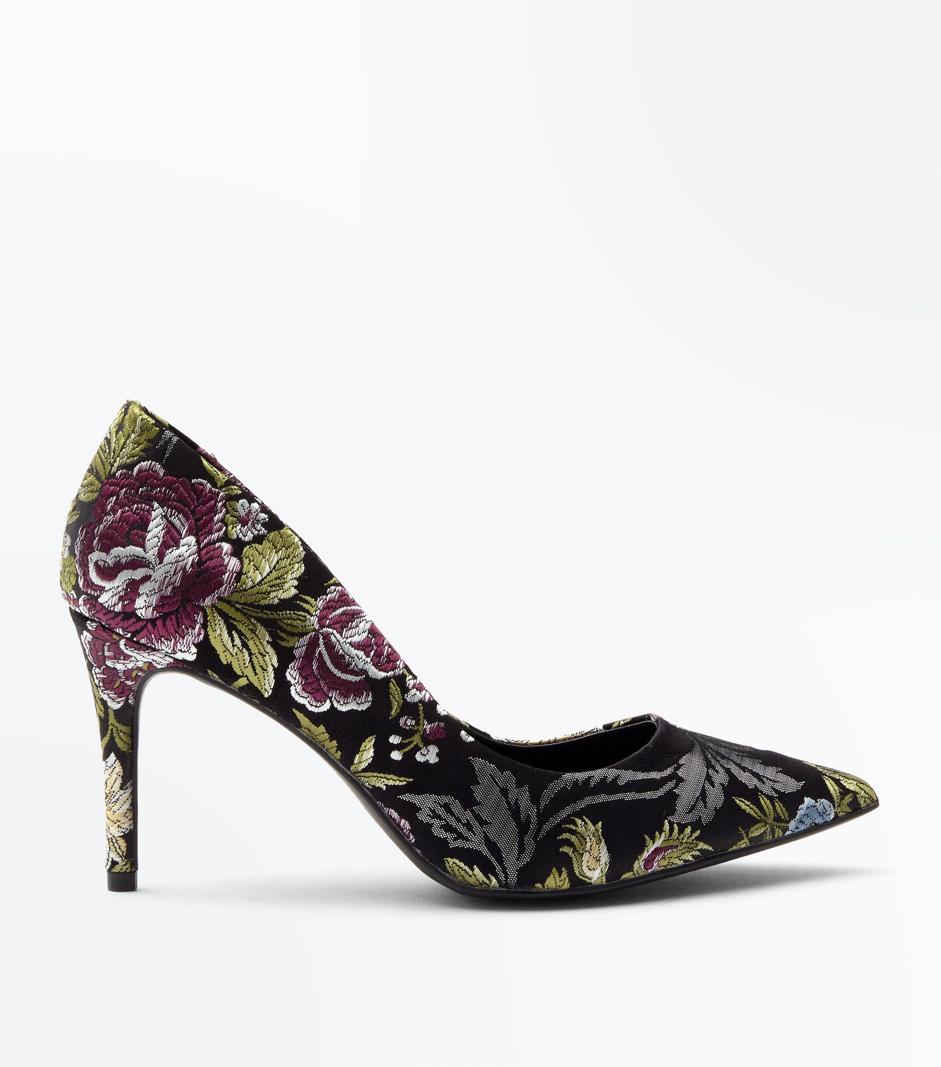 544532b370a New Look Black Floral Jacquard Pointed Court Shoes in Black - Lyst