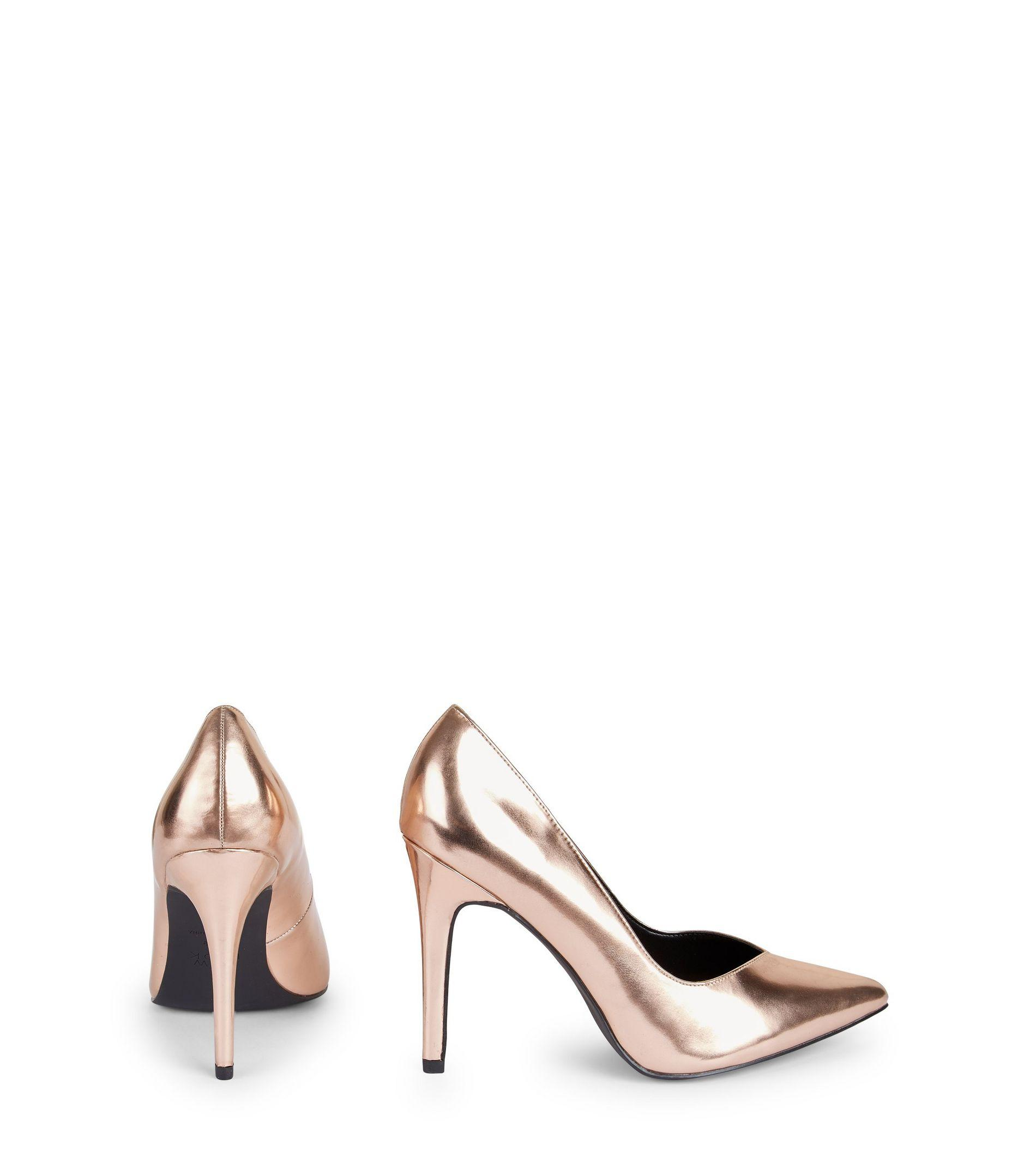 769e98878305 New Look Wide Fit Rose Gold Metallic V Throat Toe Court Shoes in Black -  Lyst