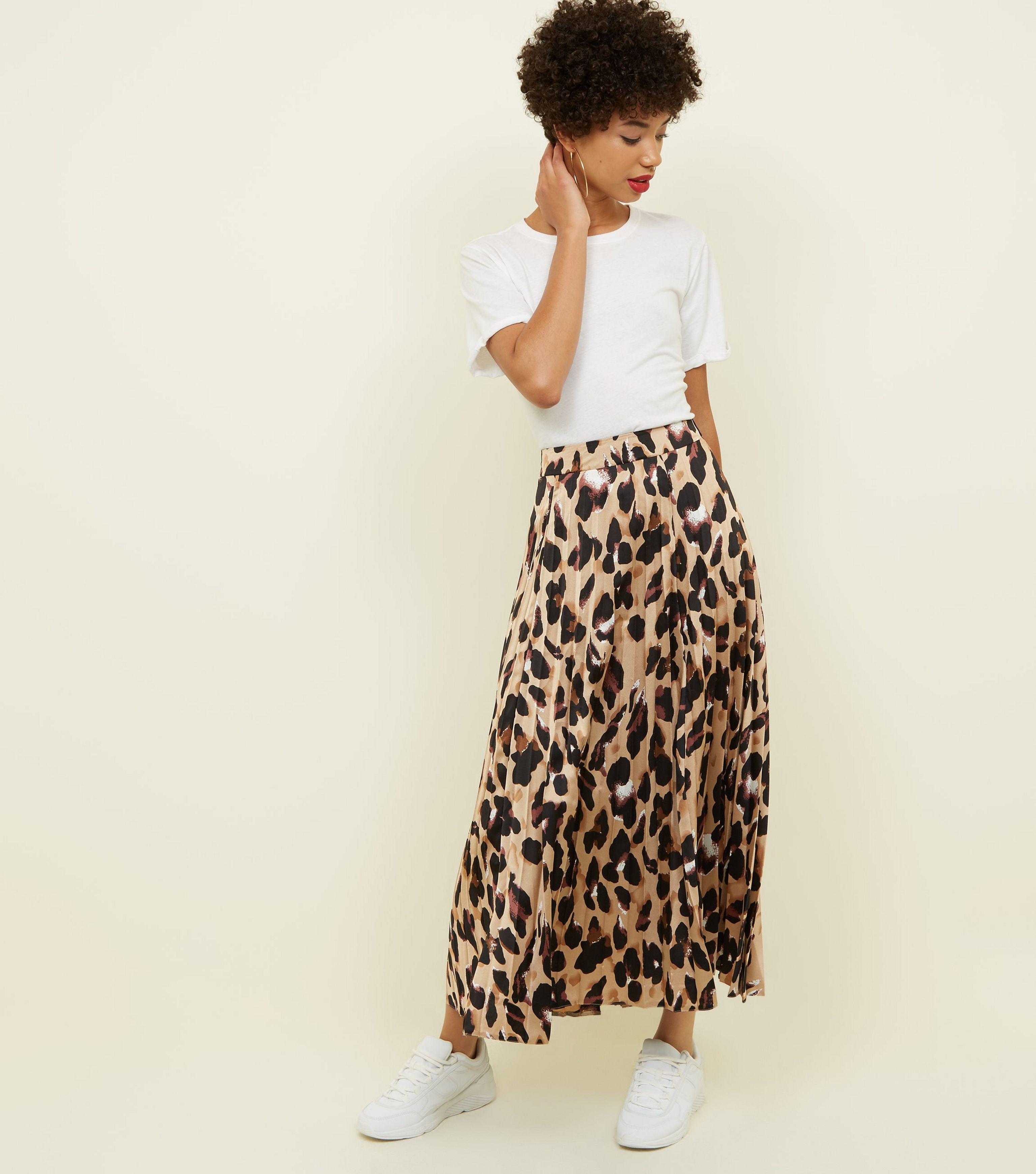 e113f652f New Look Brown Leopard Print Pleated Satin Midi Skirt in Brown - Lyst