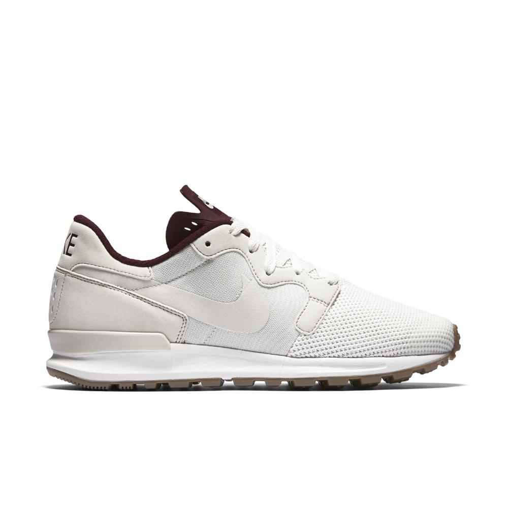 sale retailer 4ba32 4a5f5 Lyst - Nike Air Berwuda Premium Men s Shoe in White for Men