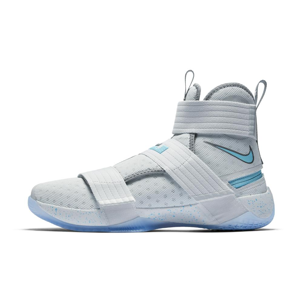 sports shoes 49789 9f923 Nike Lebron Soldier 10 Flyease Men s Basketball Shoe for Men - Lyst