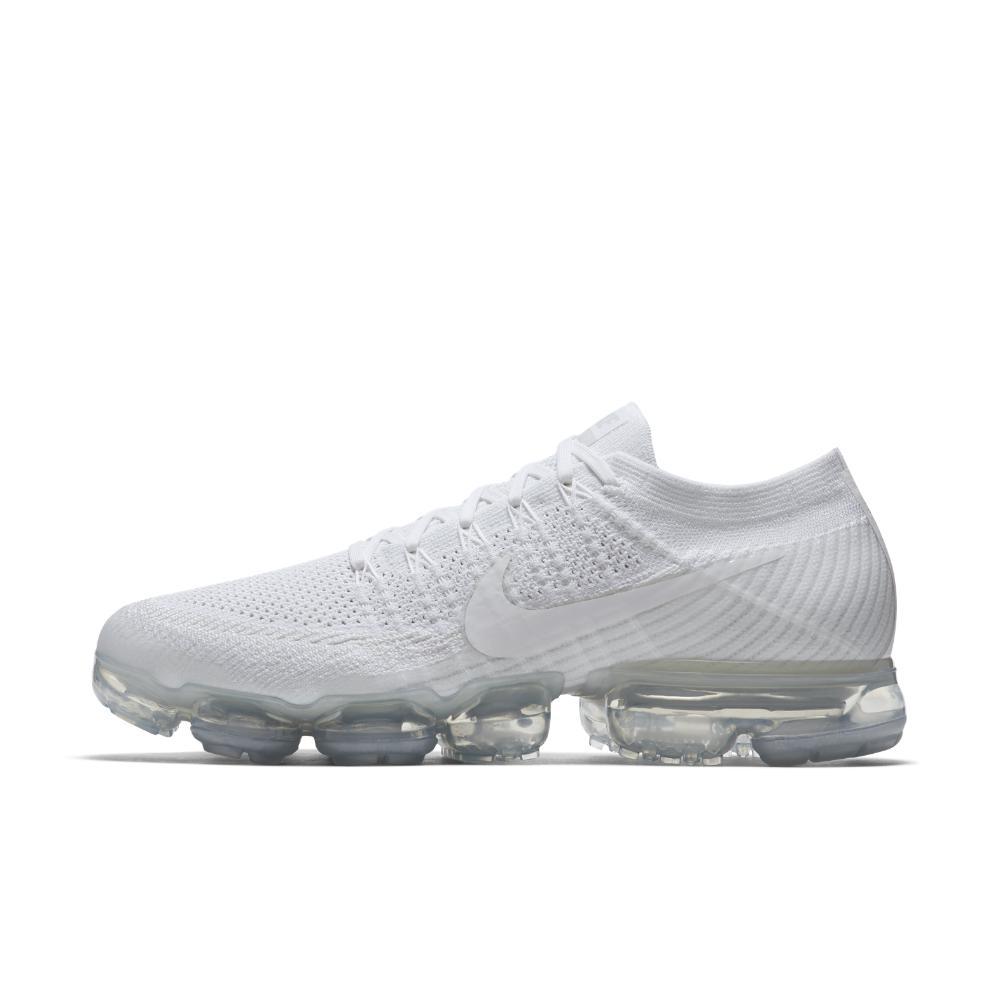 3781f544fcea Lyst - Nike Air Vapormax Flyknit Men s Running Shoe in Gray for Men
