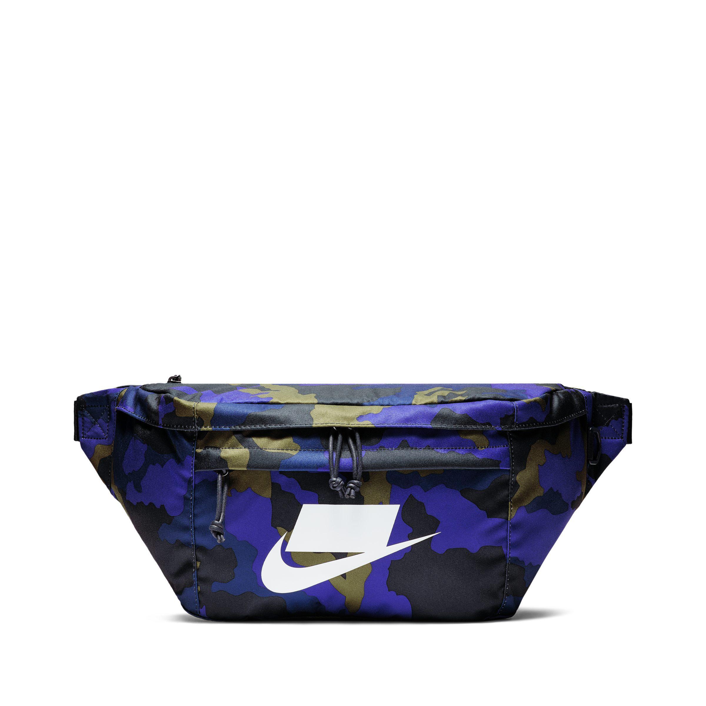 8c2af88bb4 Bleu Sportswear Coloris Lyst En Tech Banane Nike Sac Imprimé WBxnnwH4Uq