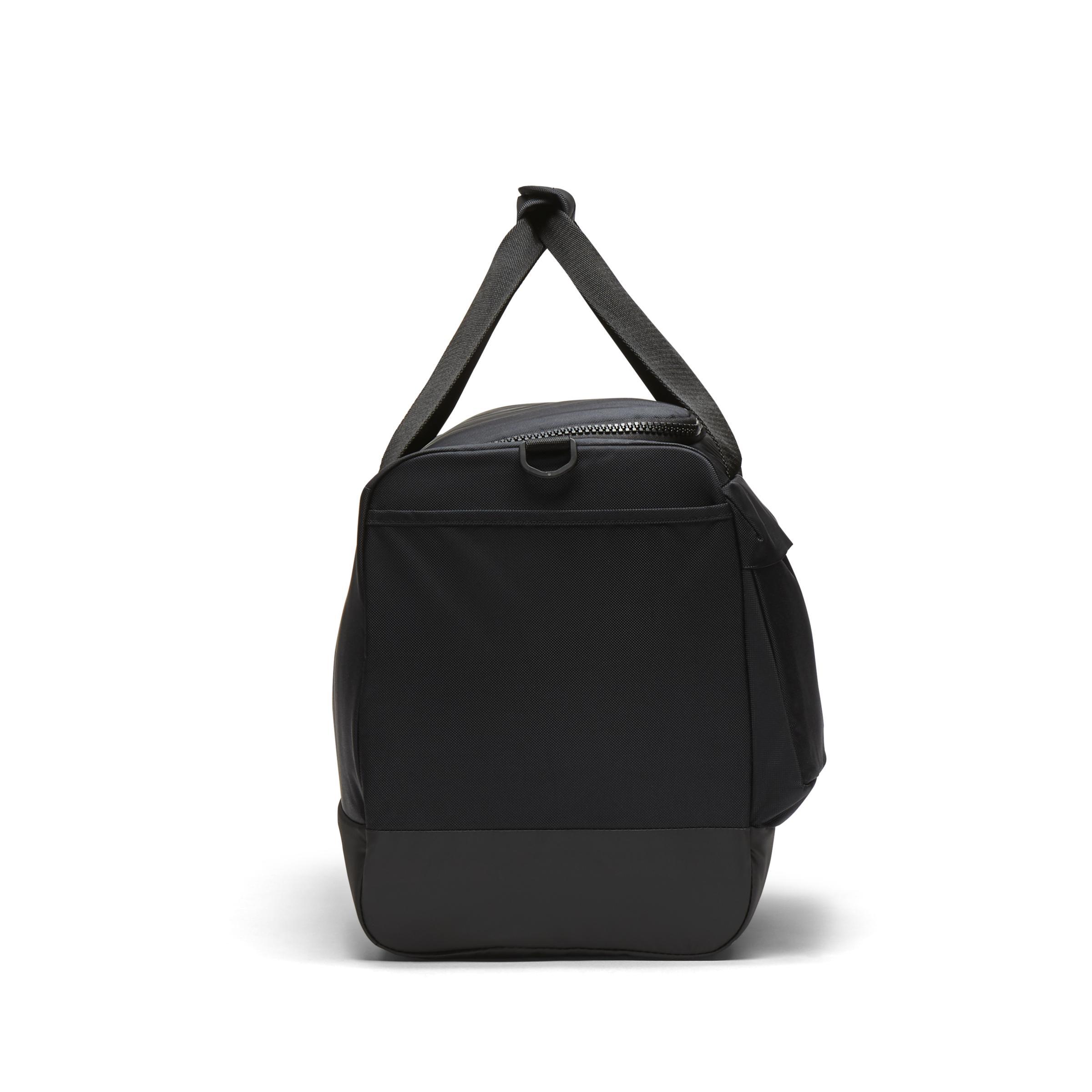 Nike - Black Sac de sport de training Vapor Power pour Homme (taille  moyenne). Afficher en plein écran bcd2bf2ffe717