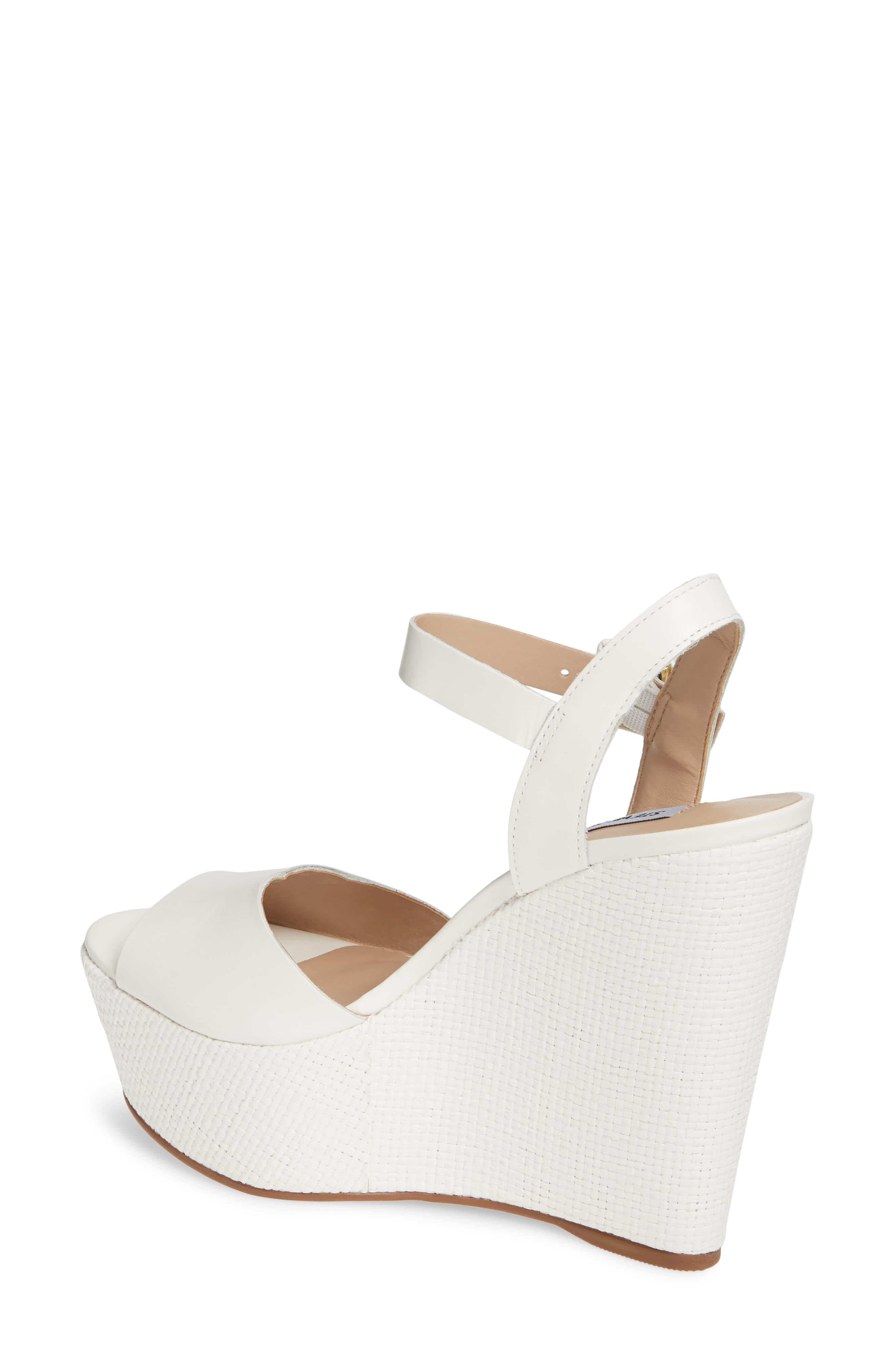 ab8531ba066 Steve Madden Citrus Leather Wedge Sandals in White - Save 56% - Lyst