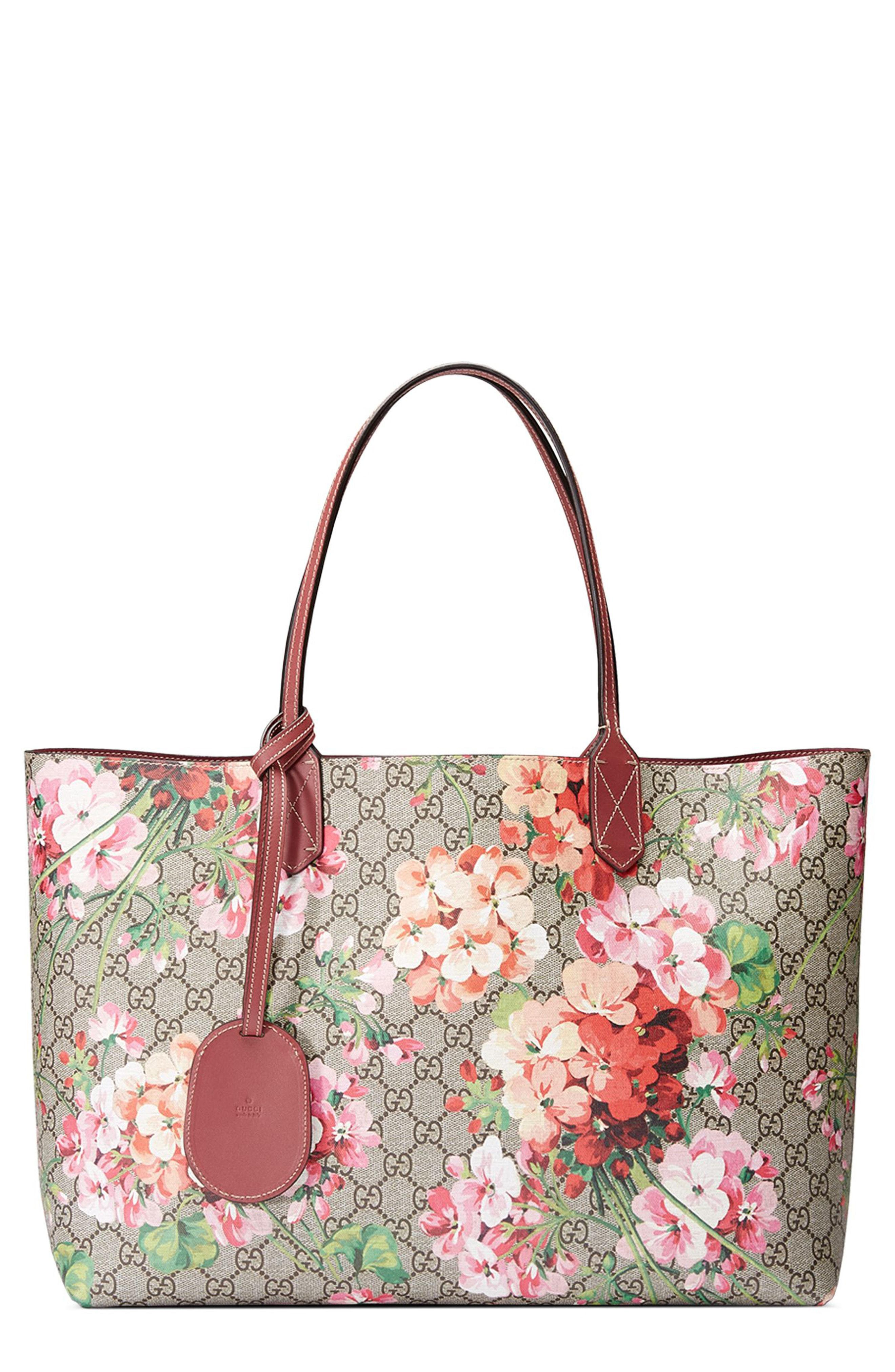 88a8d1c0bea Lyst - Gucci Medium Gg Blooms Reversible Canvas   Leather Tote in Red