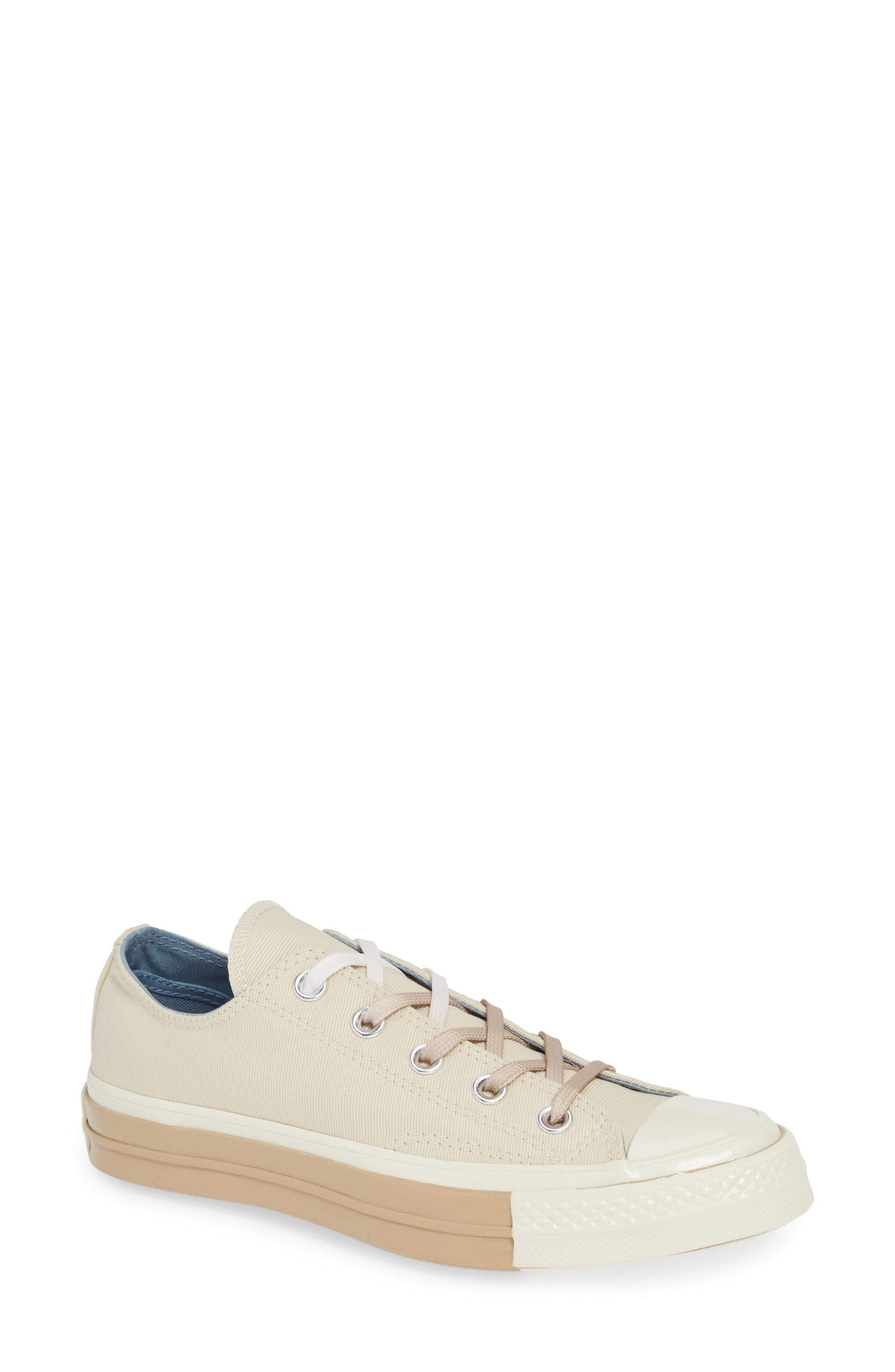 b34ab3ba308 Lyst - Converse Chuck Taylor All Star 70 Colorblock Low Top Sneaker