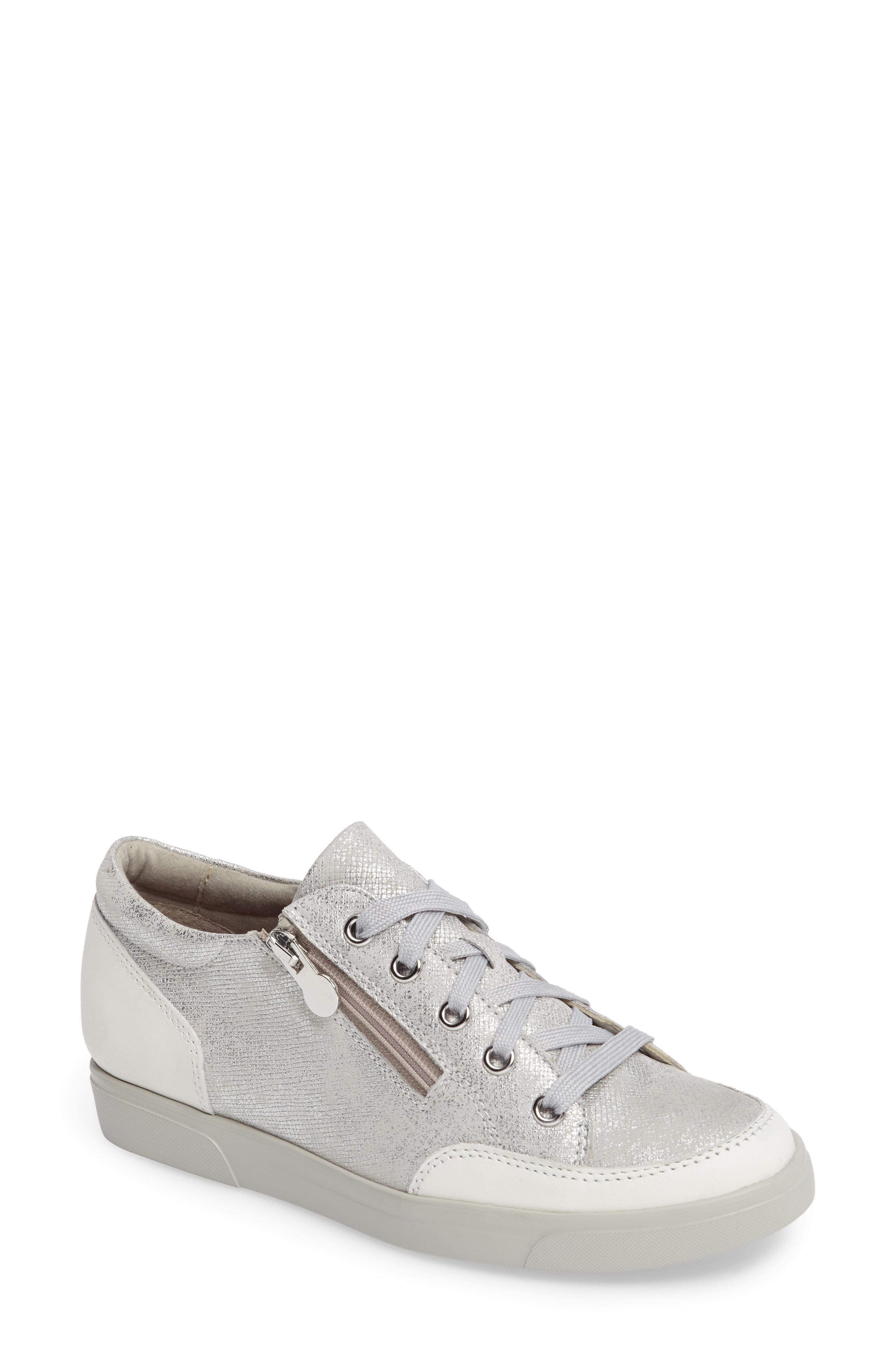 e5aaff1c6 Munro Gabbie Sneaker in White - Lyst