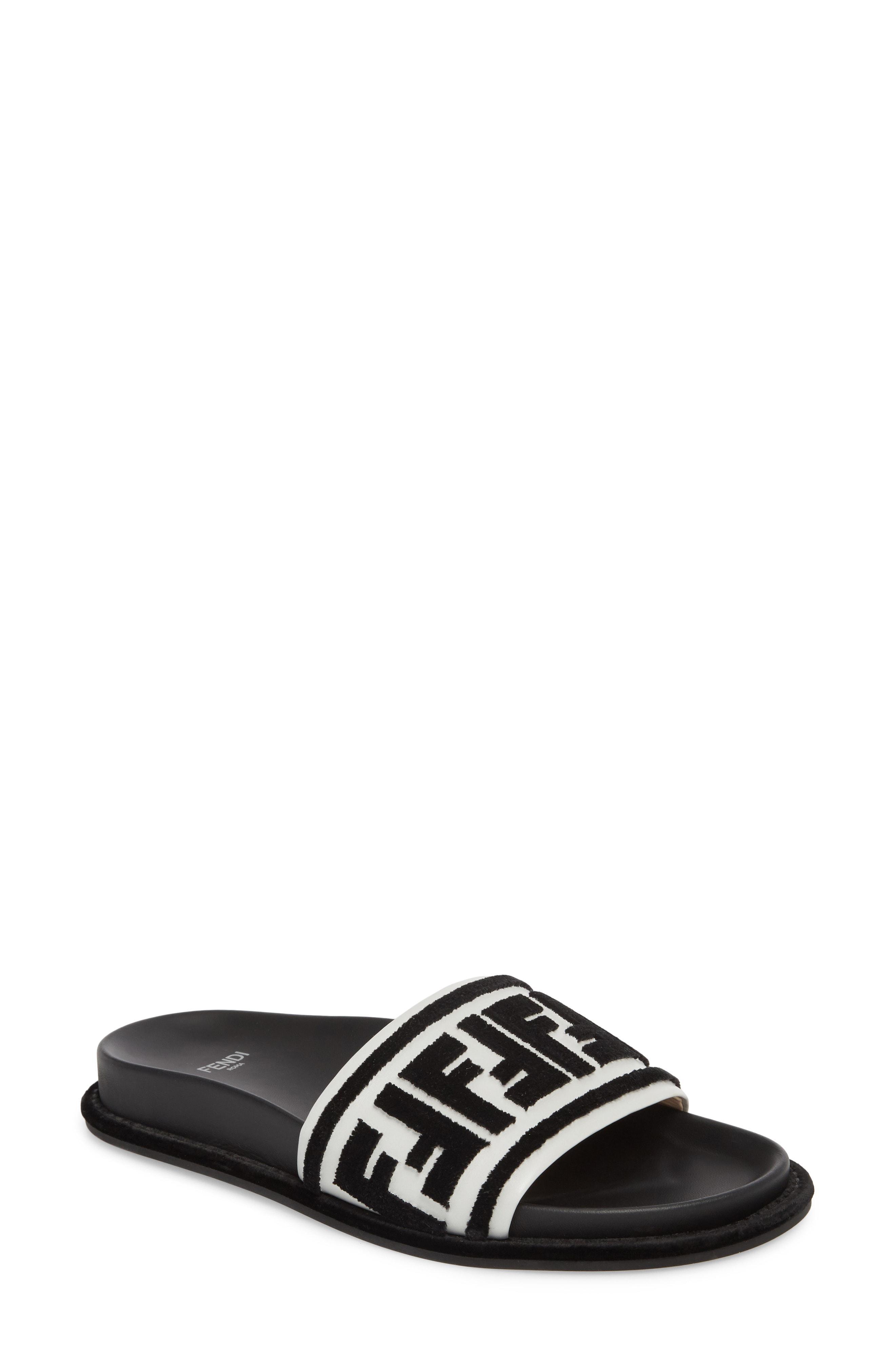 5f39a5a963e2 Lyst - Fendi Fun Logo Slide Sandal in Black
