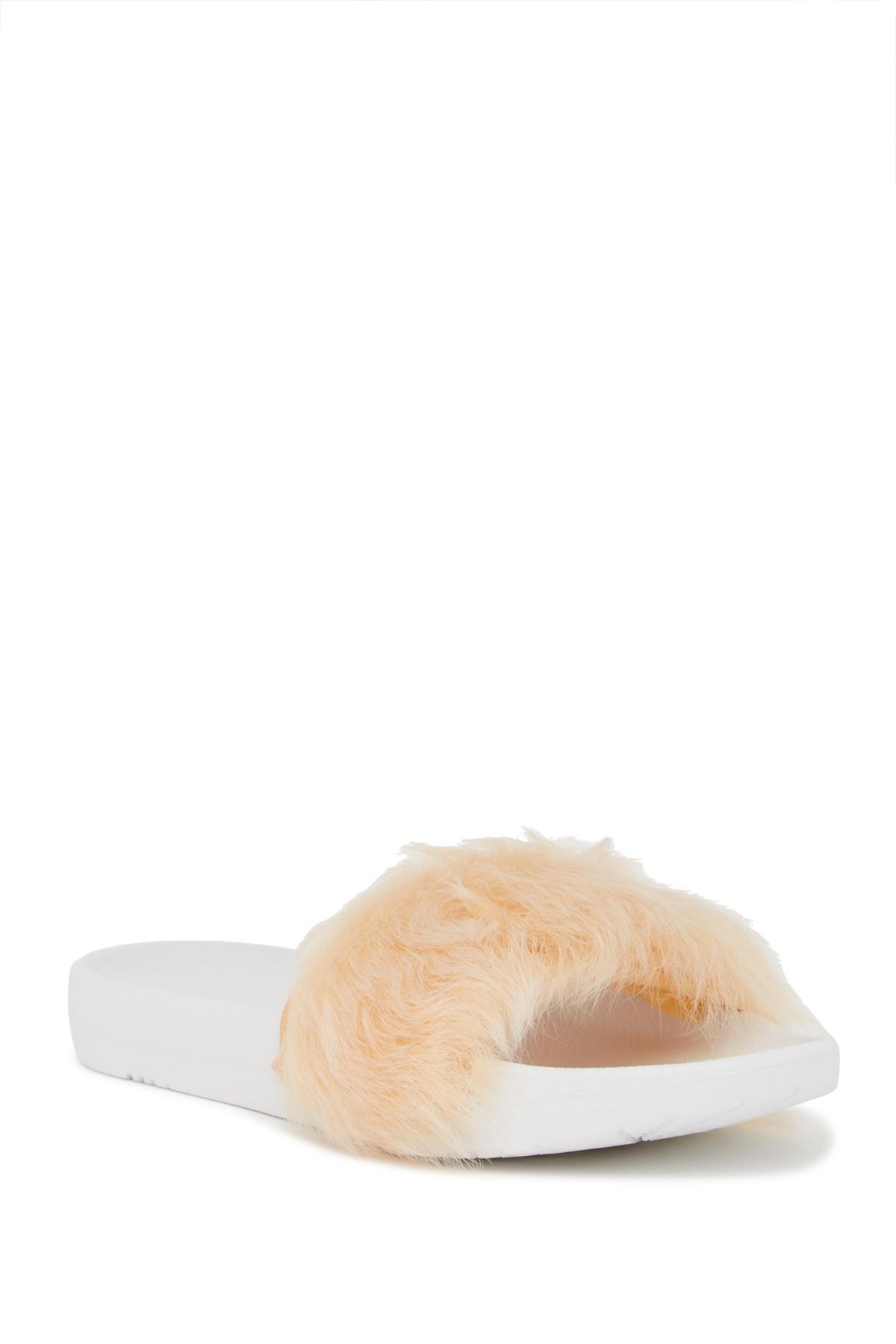 UGG Royale Genuine Lamb Fur Slide bKfD8NSbr