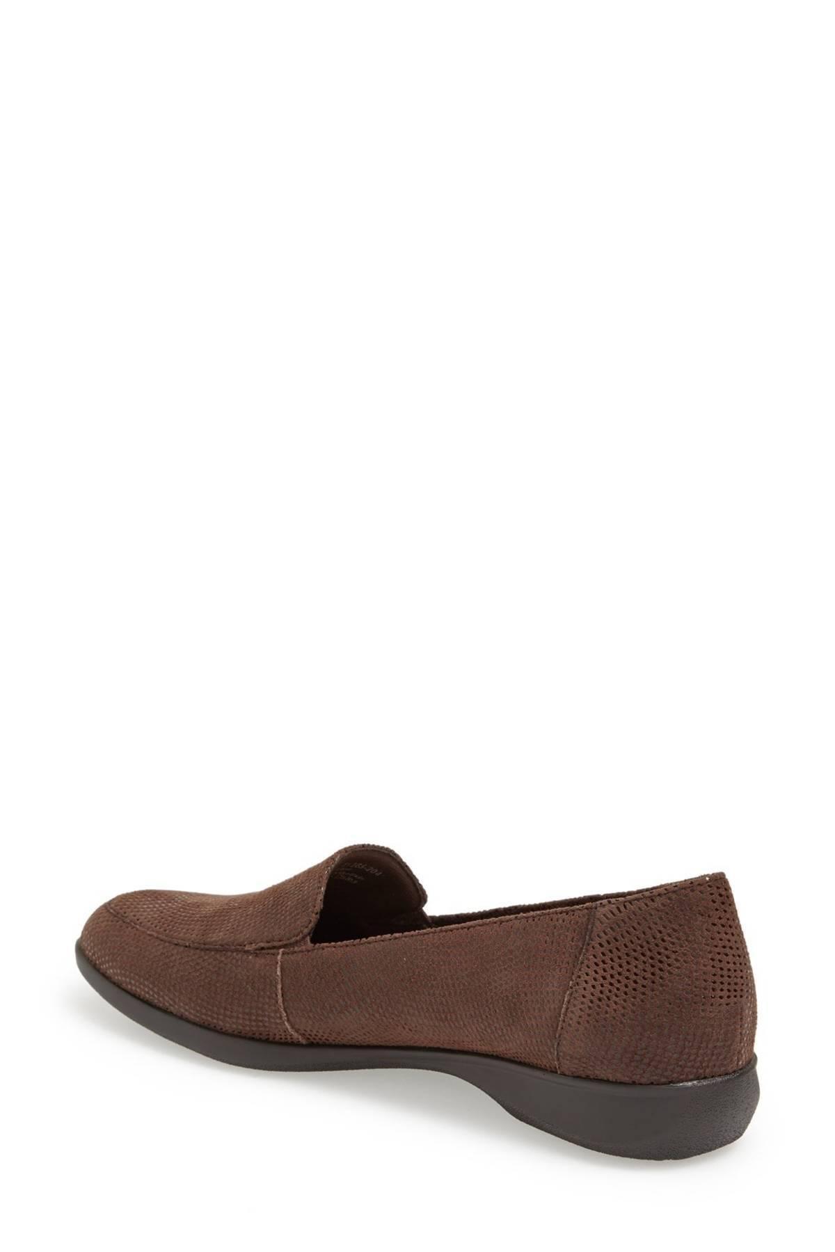 18b36f34f23 Lyst - Trotters  jenn  Loafer in Brown