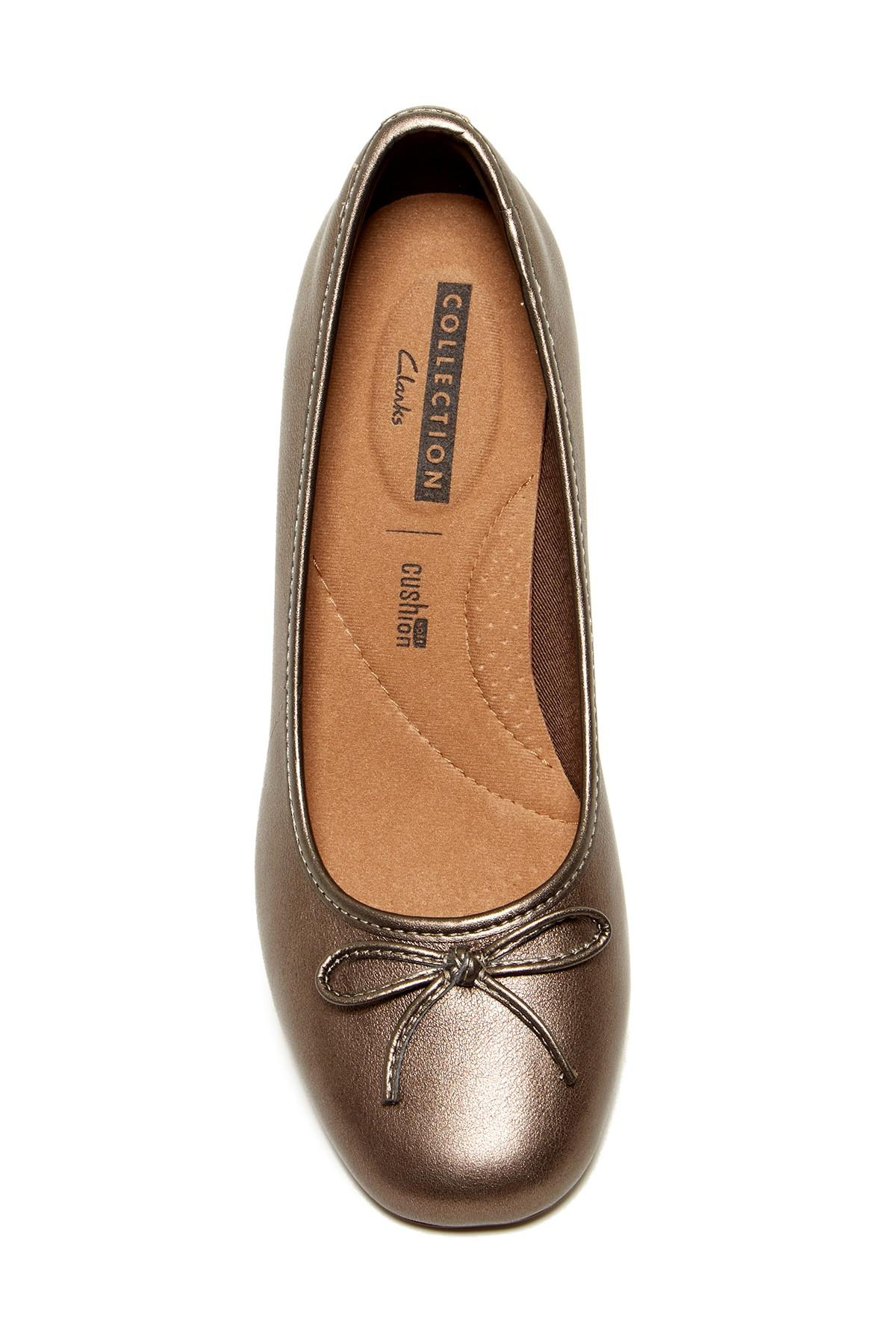 3bba702b55e Lyst - Clarks Chartli Daisy Leather Pump - Wide Width Available in Brown