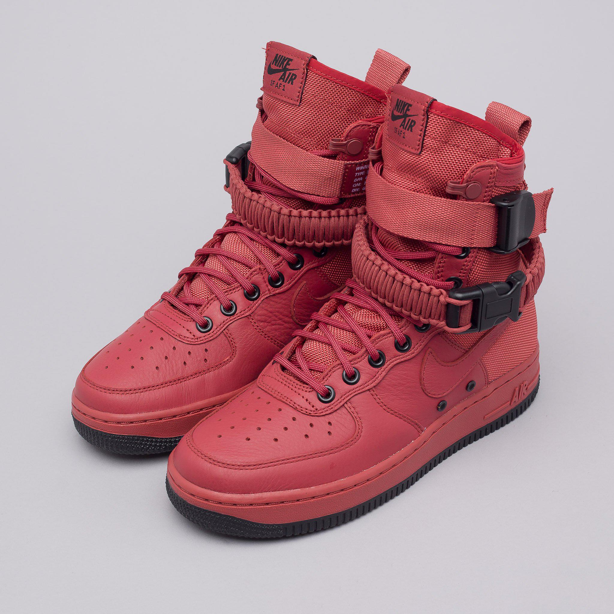 low priced f1748 693f9 Field Lyst Special Red For Force Nike 1 Men Air Cedar Women s In OOtw7aq4