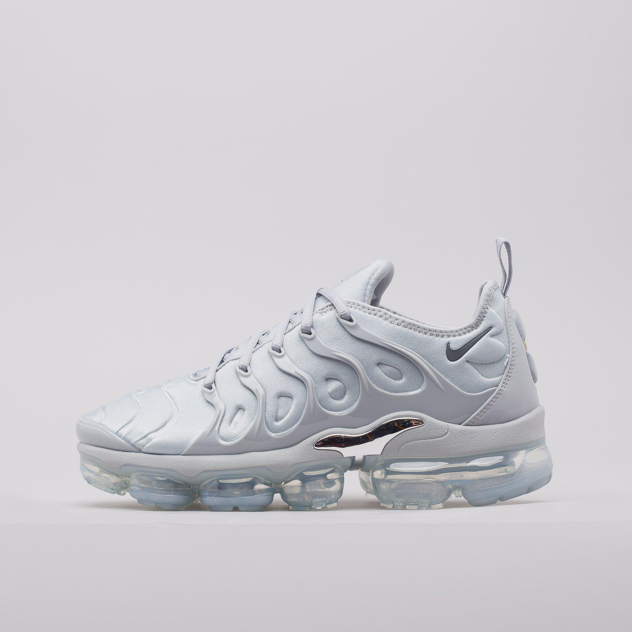 e12624bcb1 Nike Air Vapormax Plus In Wolf Grey in Gray for Men - Lyst