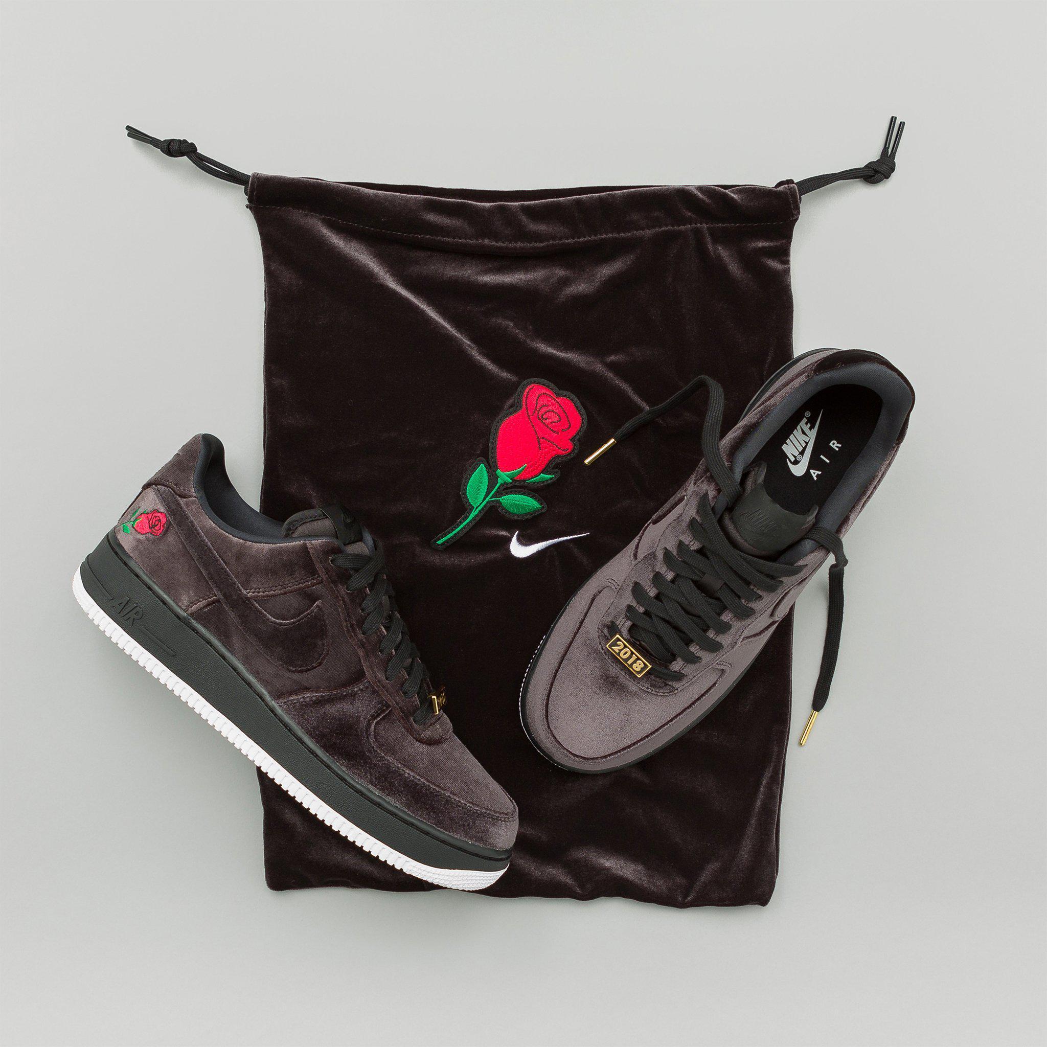 d40d9f6e363b Nike Air Force 1 07 Qs Velvet In Black in Black for Men - Lyst