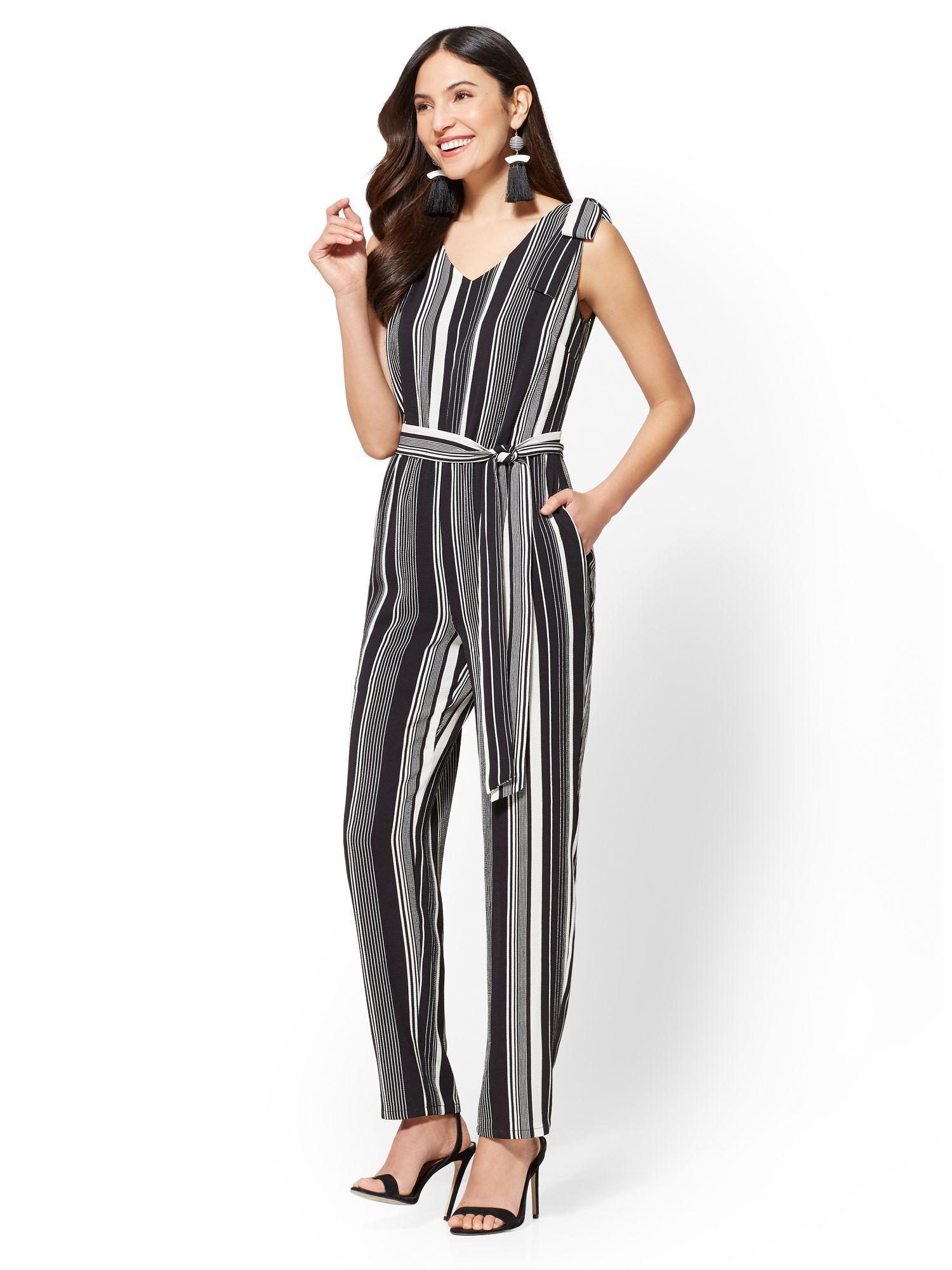 8884c9d1635 Gallery. Previously sold at  New York   Company · Women s Black Jumpsuits  ...