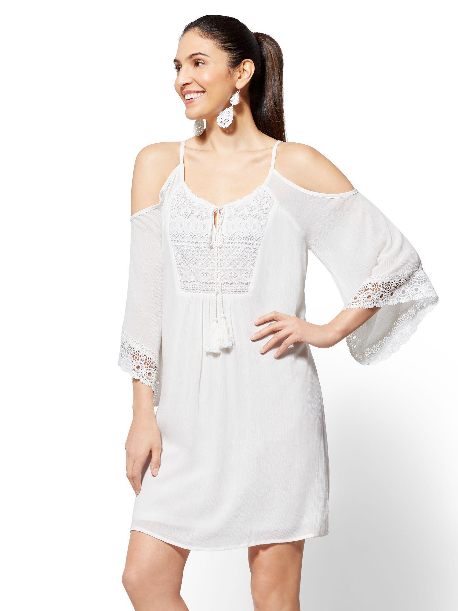 e18da3a938 Lyst - New York   Company Crochet-trim Cold-shoulder Shift Dress in ...