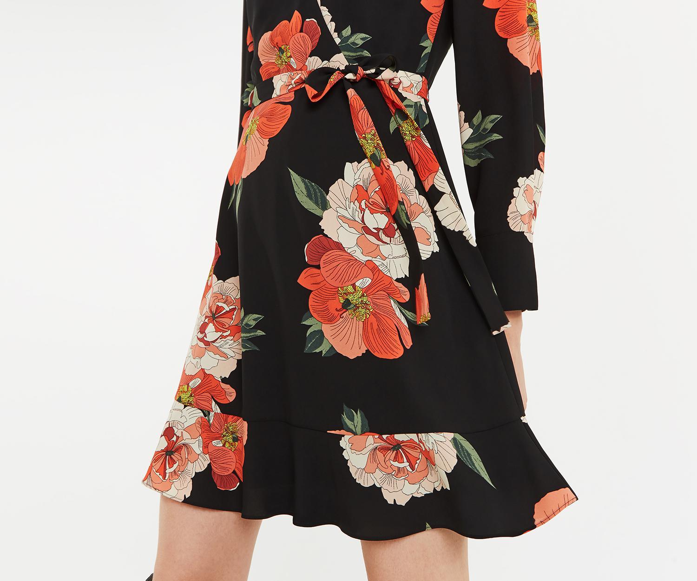ddb9e9f7a2e3 Oasis - Black Bold Bloom Skater Dress - Lyst. View fullscreen