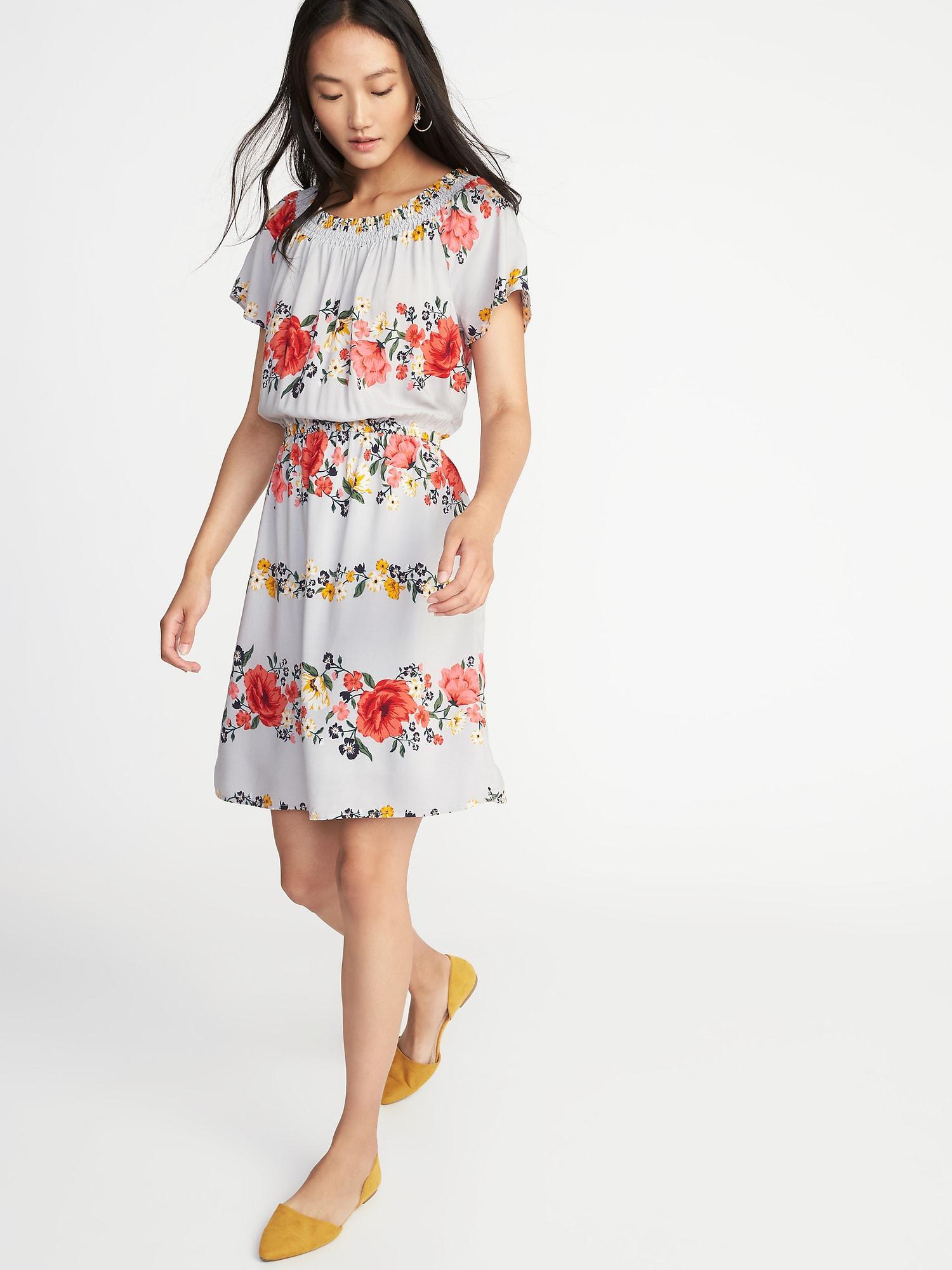 5626e44d8fa90 ... store floral maxi dress old navy 8dfca d668d