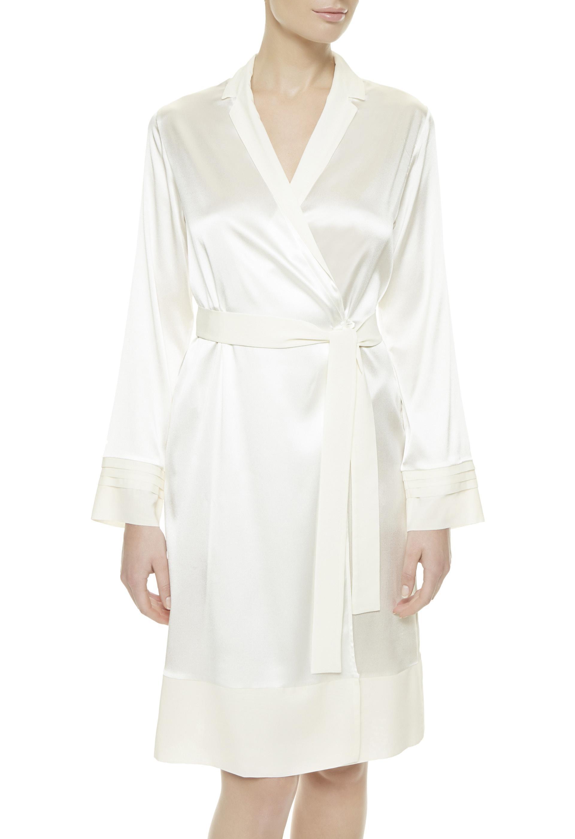 Lyst - La Perla Silk Essence Short Dressing Gown in White f1c219640
