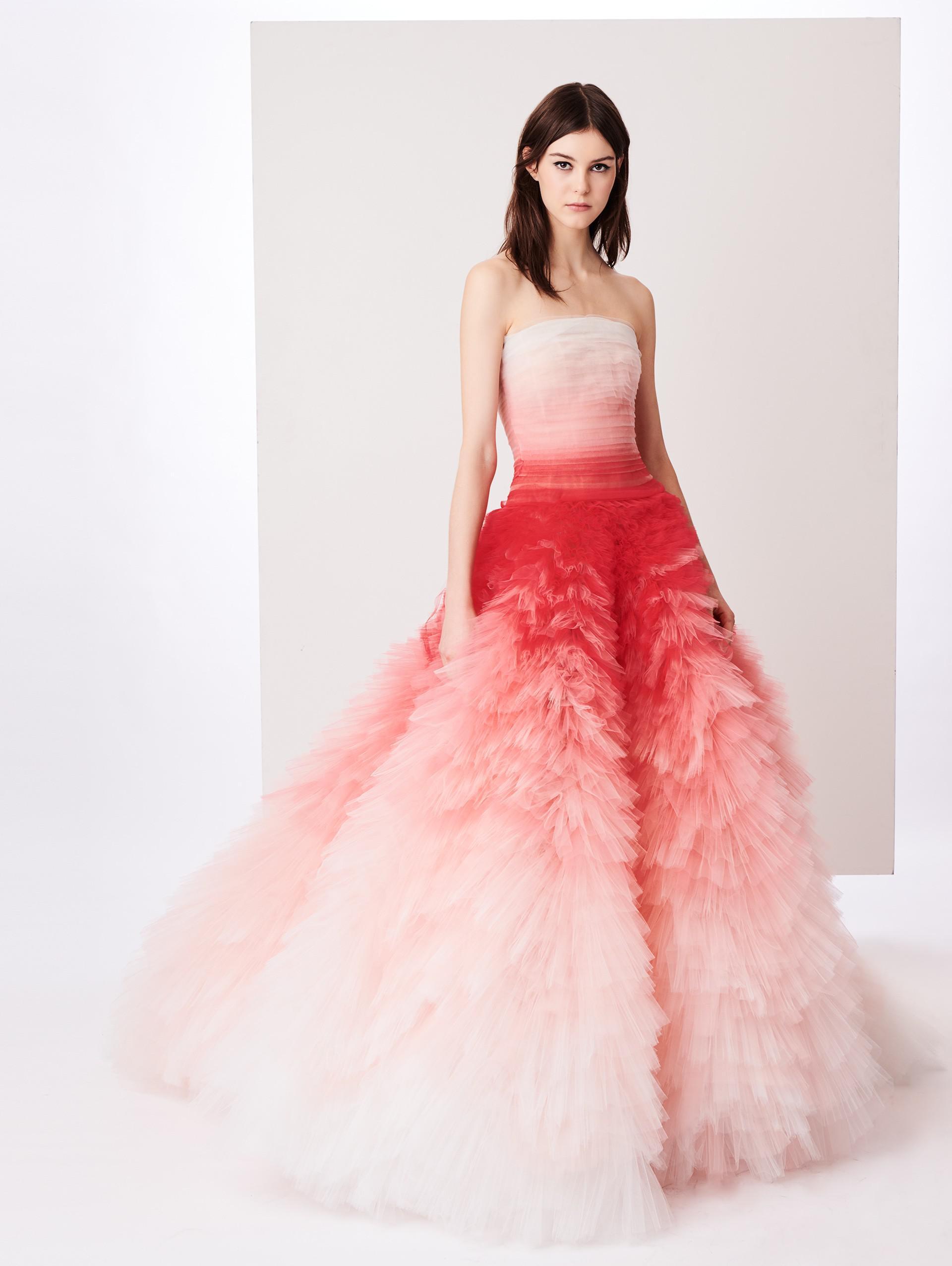 Hermosa Vestidos De Fiesta En Renta Ilustración - Colección de ...