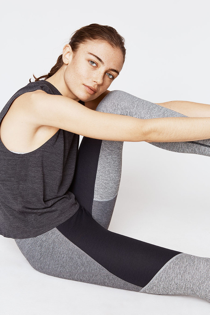 Outdoor voices 7 8 tri tone warmup legging in gray lyst