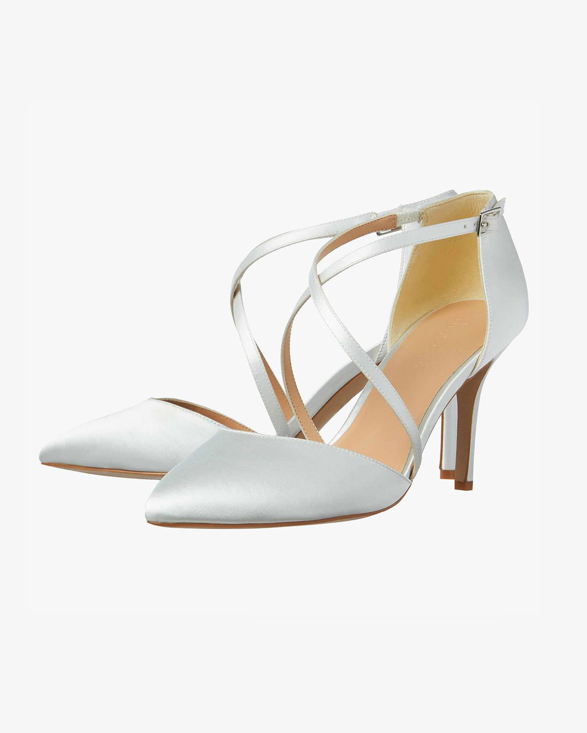 94b6eb9b641 Lyst - Phase Eight Satin Pointed Court Shoe in White