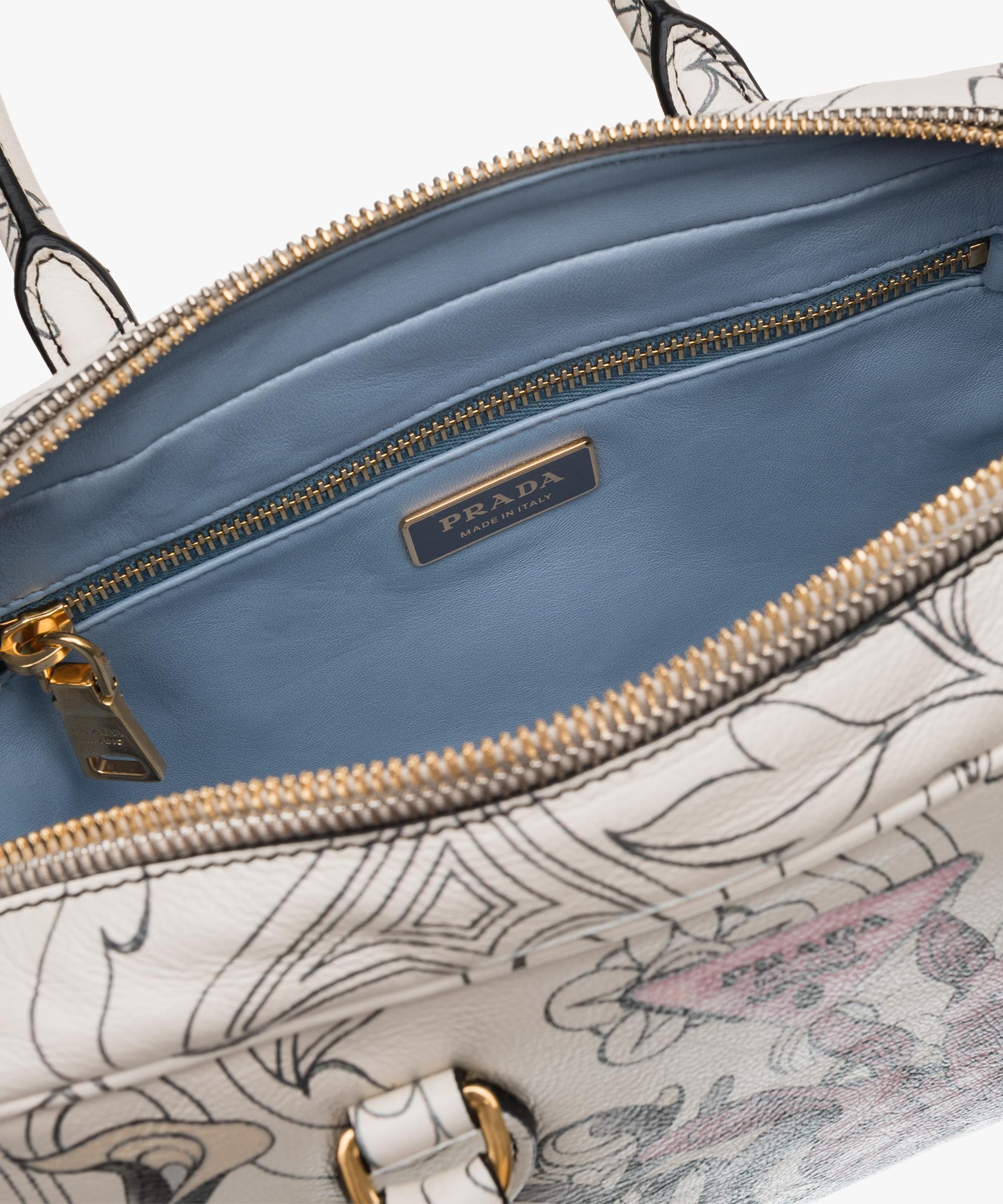 297ceb7bf60 Gallery. Previously sold at  Prada · Women s Leather Handbags ...