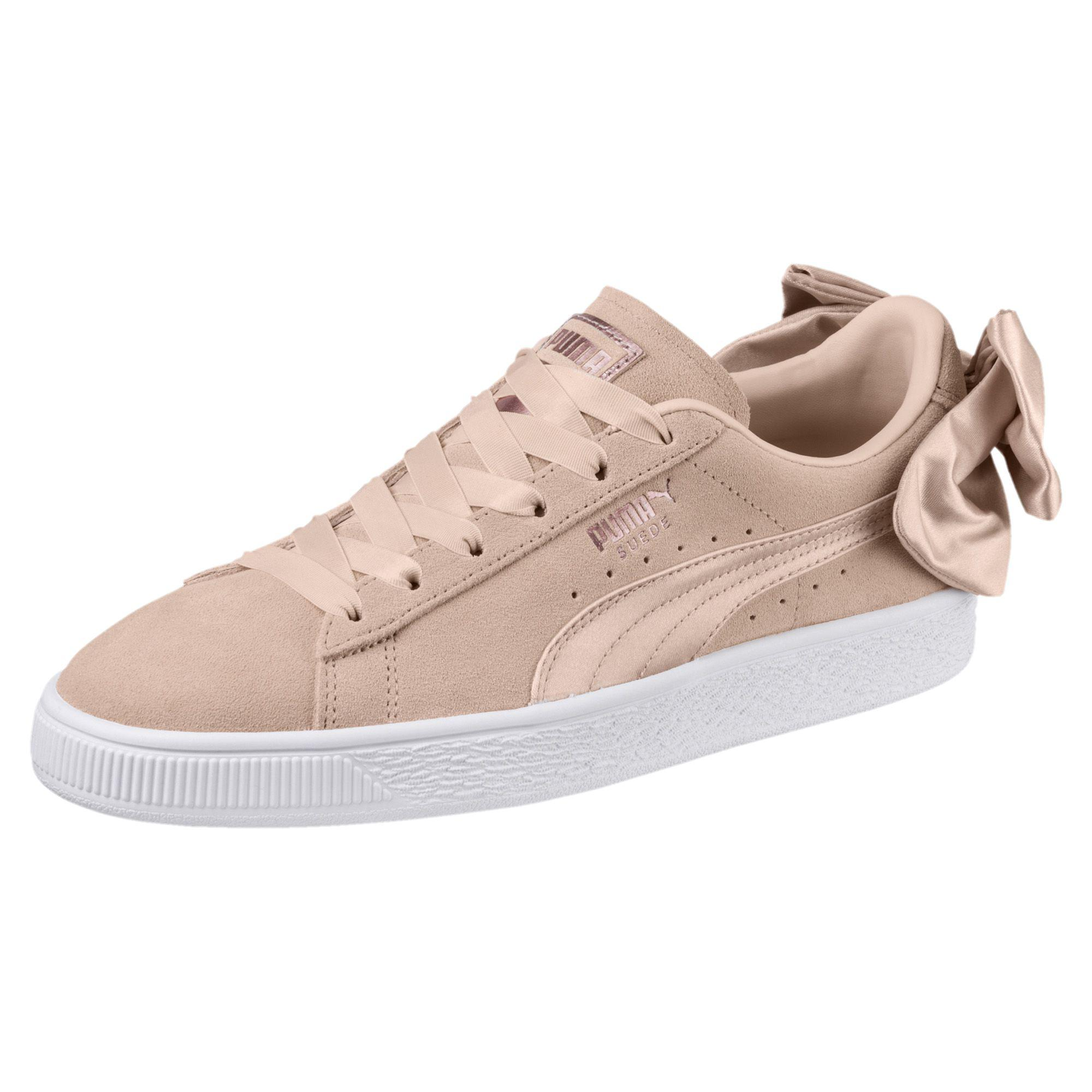 000e5bcdf39be0 Lyst - PUMA Suede Bow Valentine Women s Sneakers