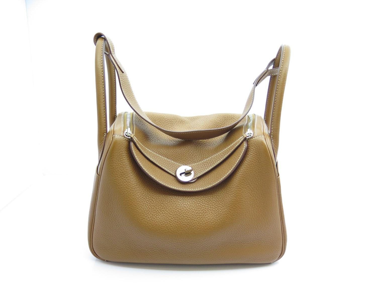 567413a58549 ... official store lyst hermès lindy 30 gold clemence stamp q in metallic  f4593 c841c