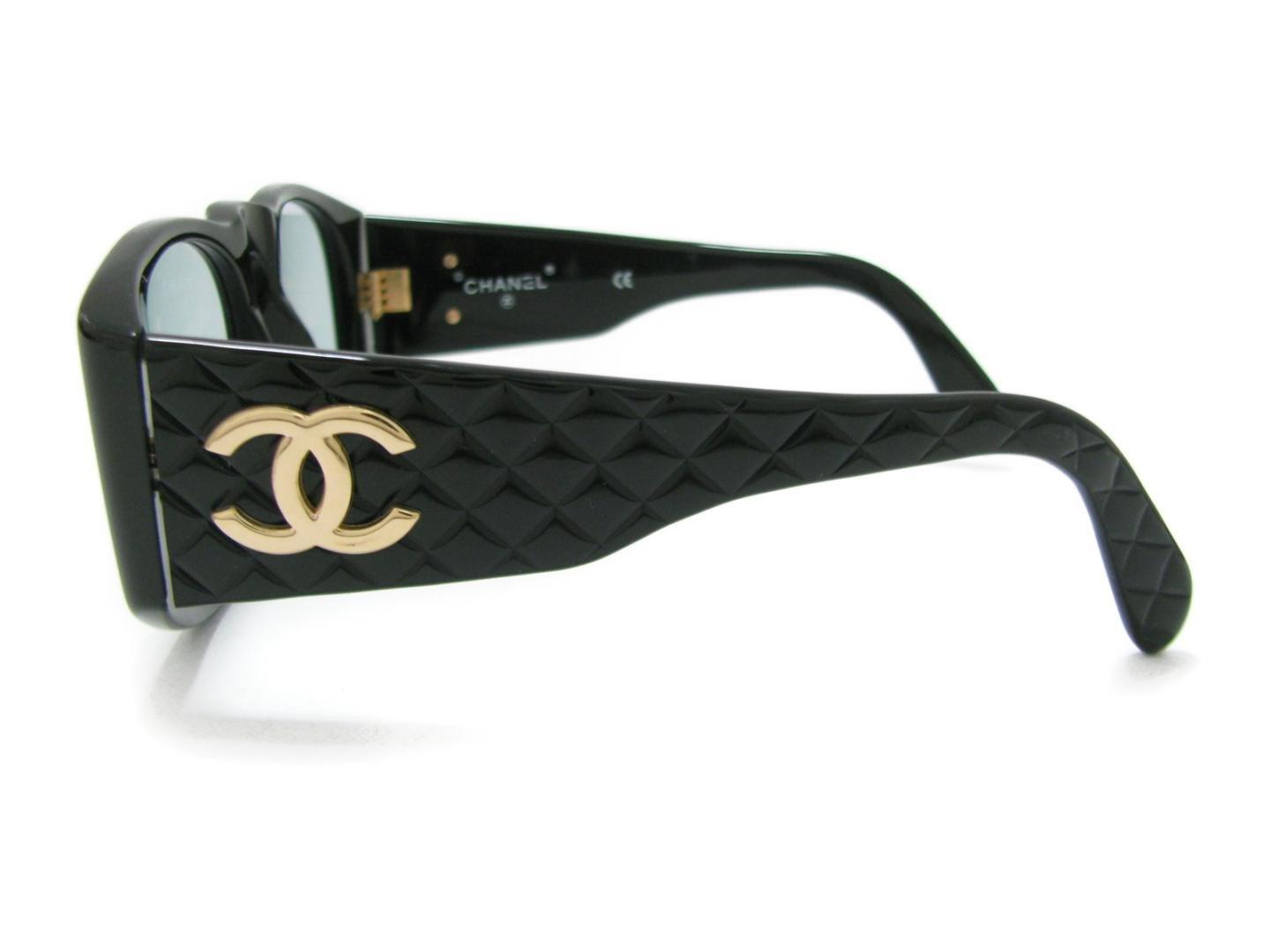5c9dbbe8369 Lyst - Chanel 01450 94305 Black Quilted Sunglasses Rectangular Gold ...