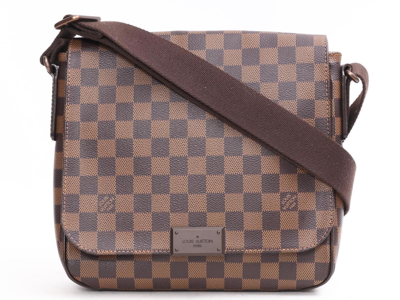 d6087197bfb5 Lyst - Louis Vuitton District Pm Shoulder Bag Damier Canvas N41213 ...