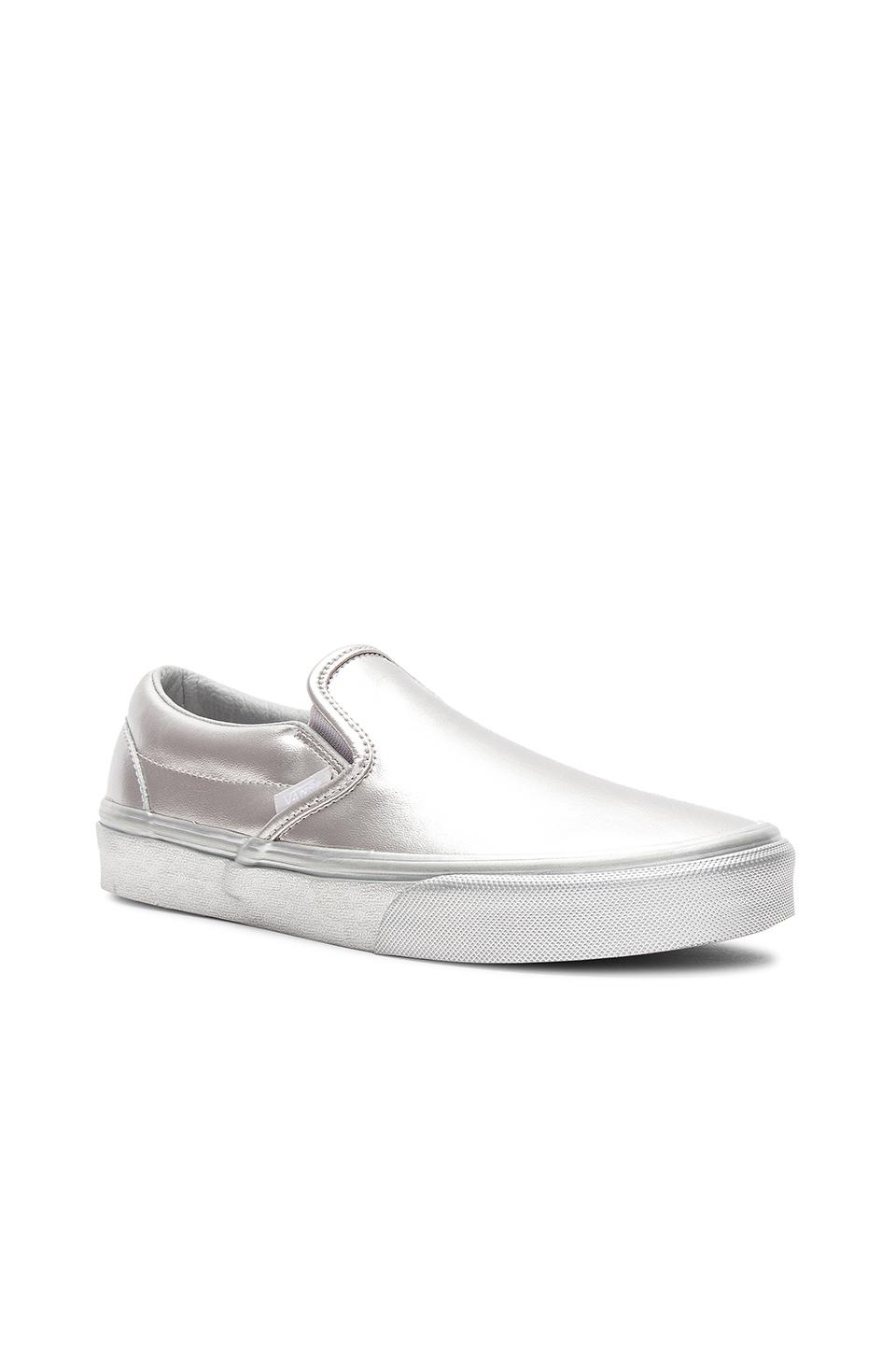 e285a4da239e Lyst - Vans Classic Slip-on Women s Shoes (trainers) In Silver in ...