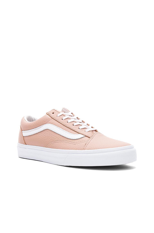 bdf1fc0311ba Lyst - Vans Tumble Leather Old Skool Dx Sneaker in Pink