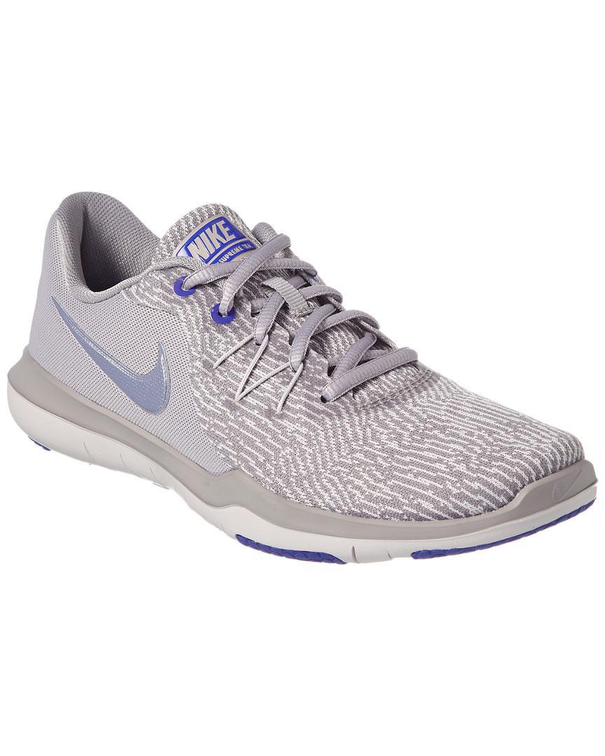 461ff9e1c2ca Nike Women s Flex Supreme Tr 6 Trainer in Gray - Lyst