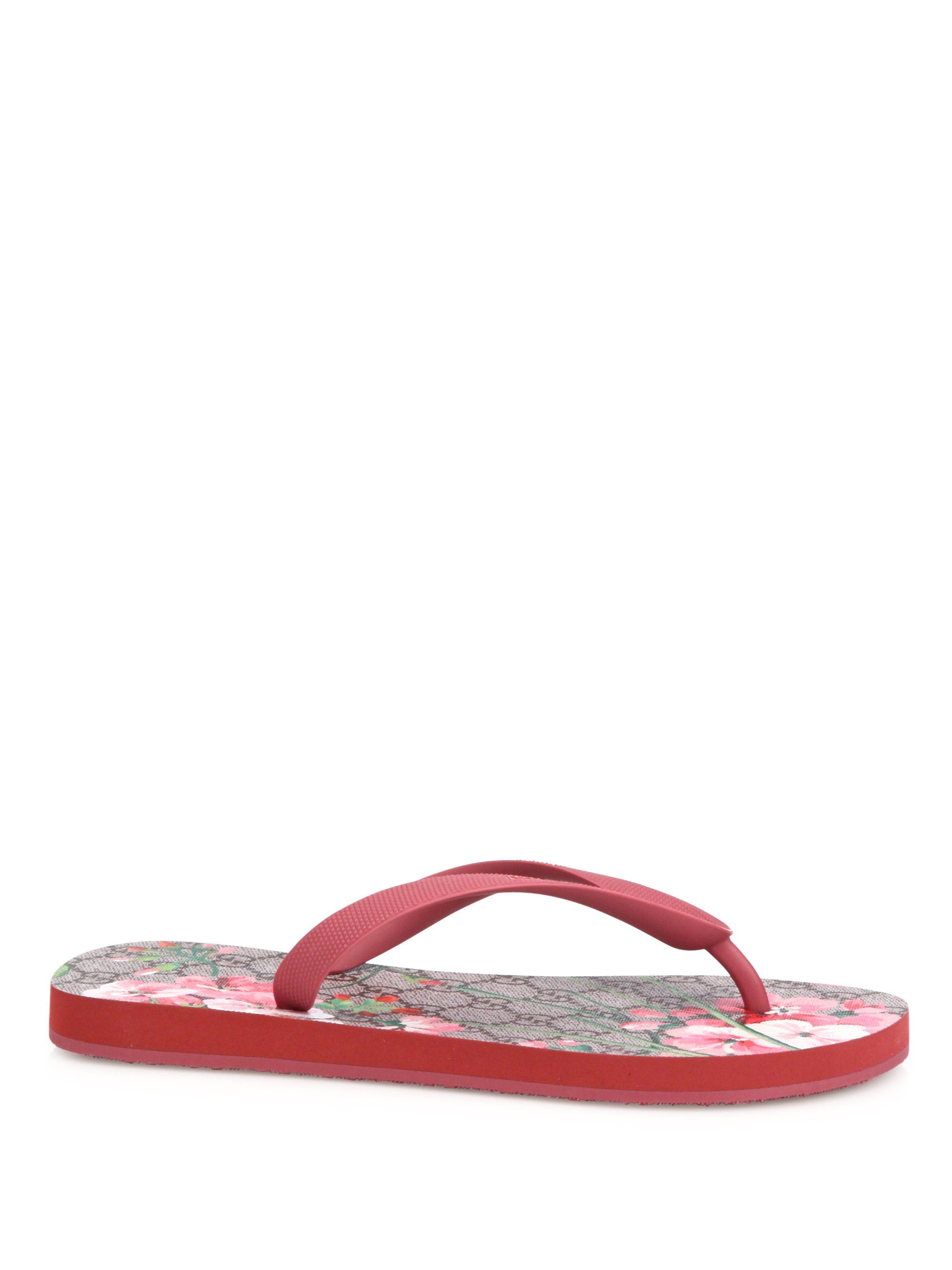 Lyst Gucci Gg Bloom Rubber Flip Flops In Pink