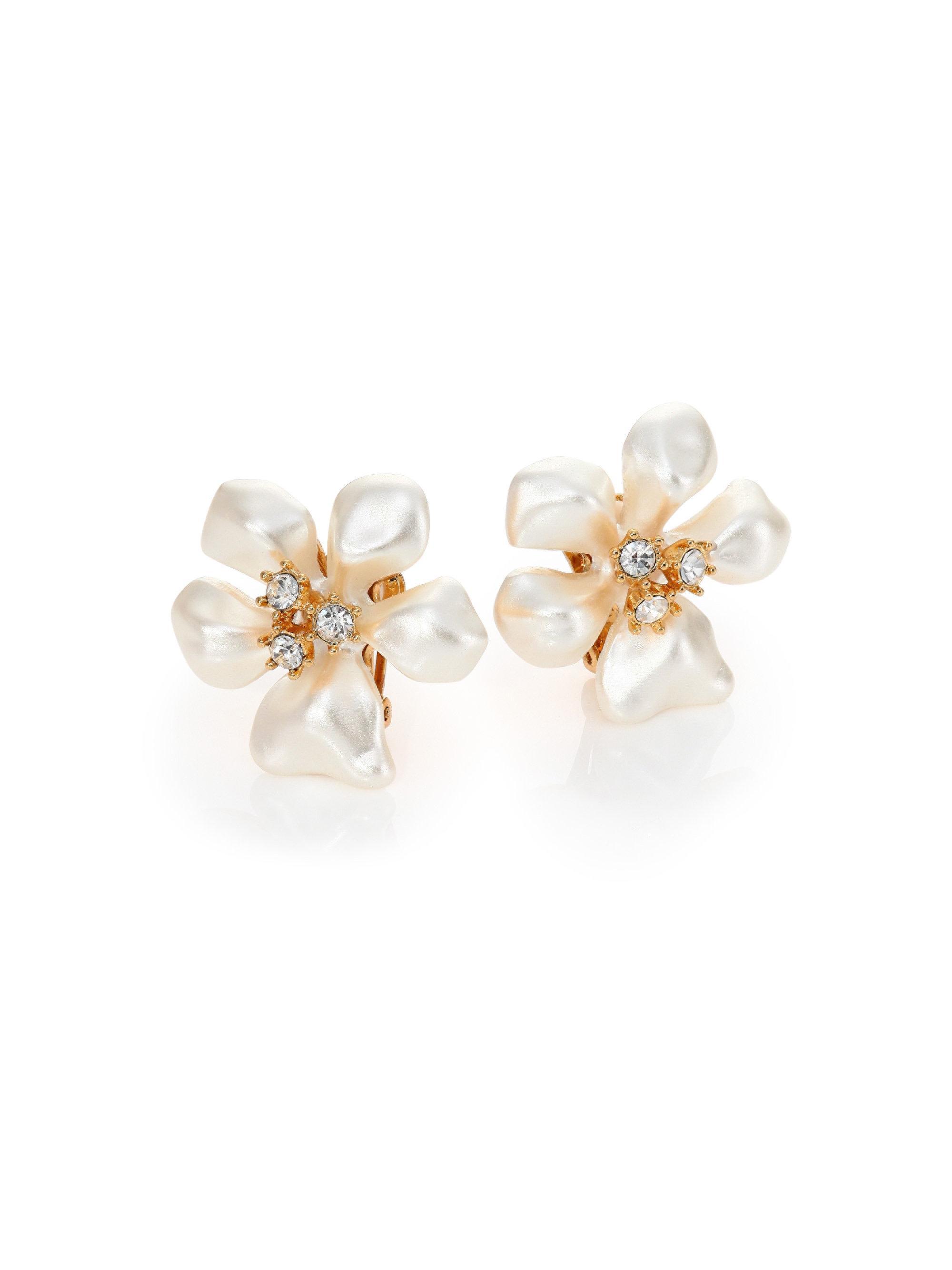 Kenneth Jay Lane Pearly Flower Cluster Stud Earrings OYSsvNZ