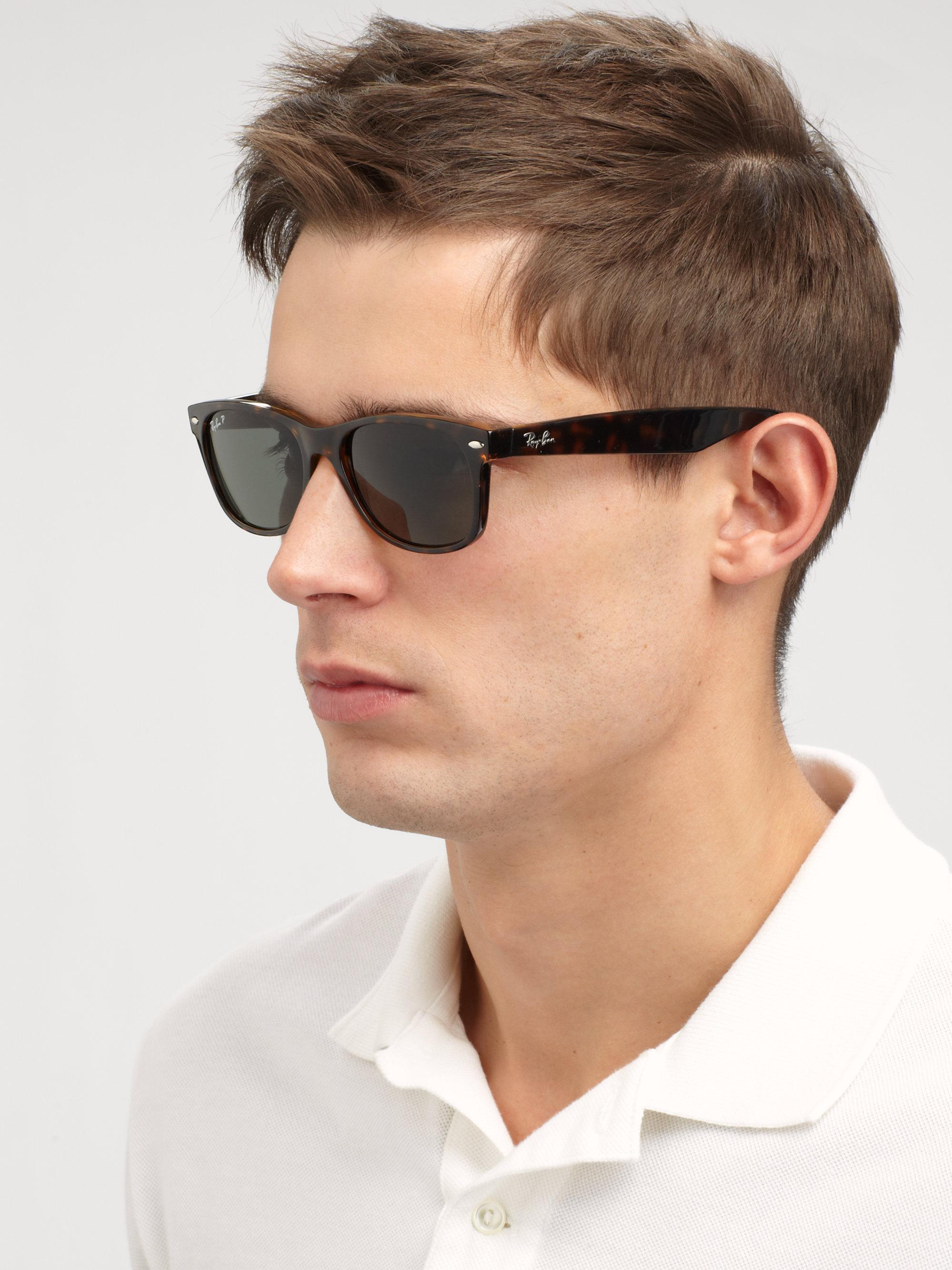 6d821a7056 Gallery. Previously sold at  Saks Fifth Avenue · Men s Wayfarer Sunglasses